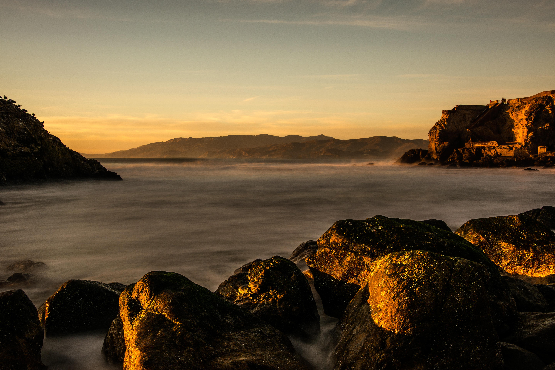 141975 скачать обои Озеро, Вода, Скалы, Камни, Закат, Природа, Пейзаж - заставки и картинки бесплатно