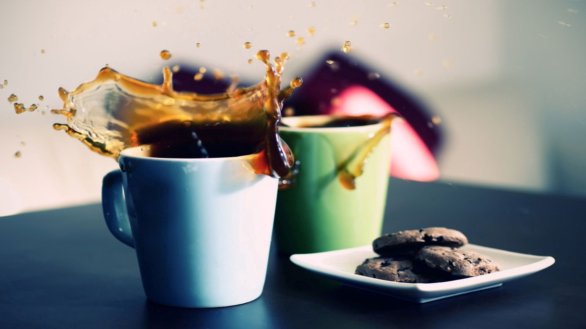 122812 download wallpaper Food, Coffee, Goblets, Glasses, Spray, Plates, Cymbals, Cookies screensavers and pictures for free