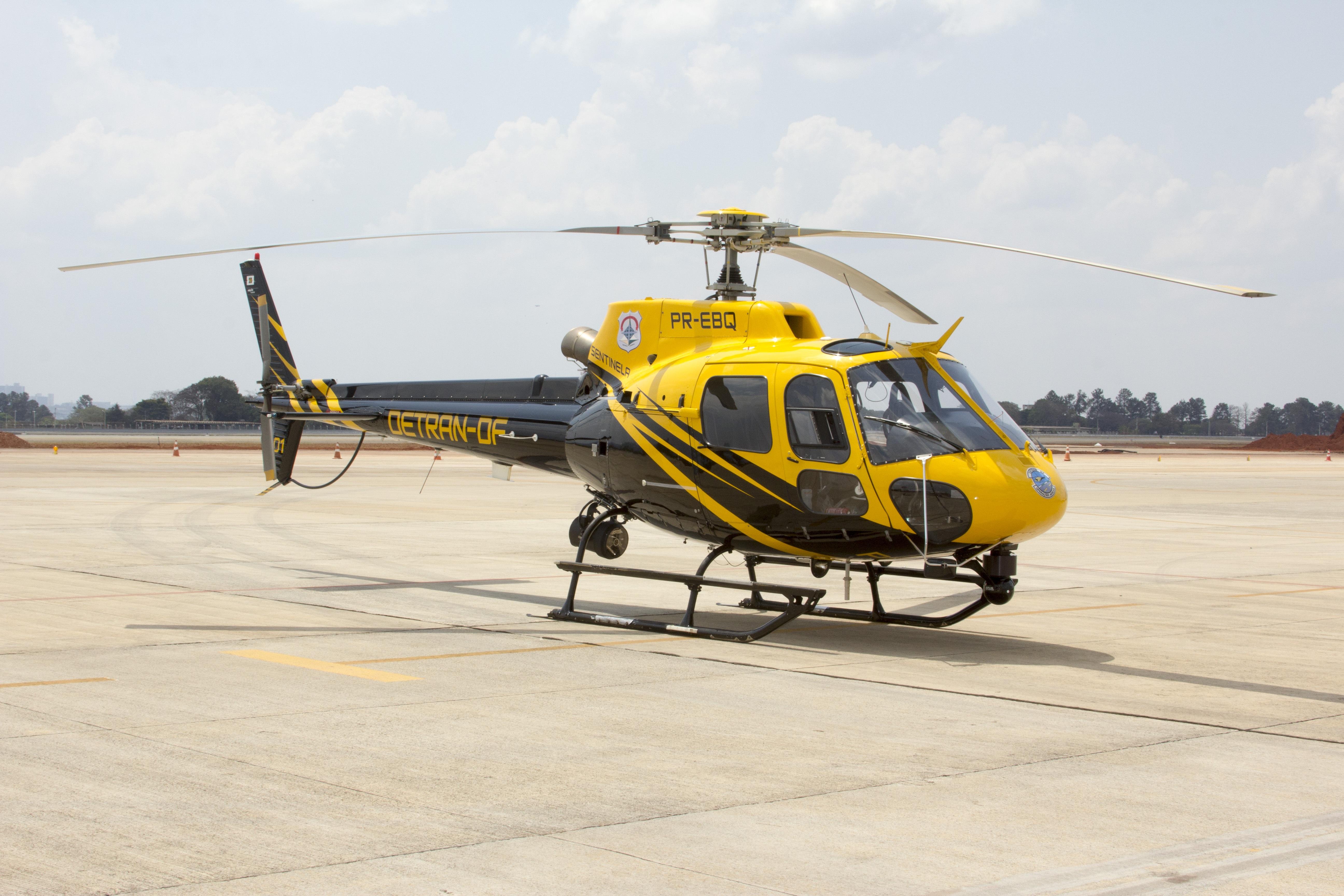 77359 Hintergrundbild herunterladen Hubschrauber, Verschiedenes, Sonstige, Runway, Luftfahrt, Startlinie - Bildschirmschoner und Bilder kostenlos