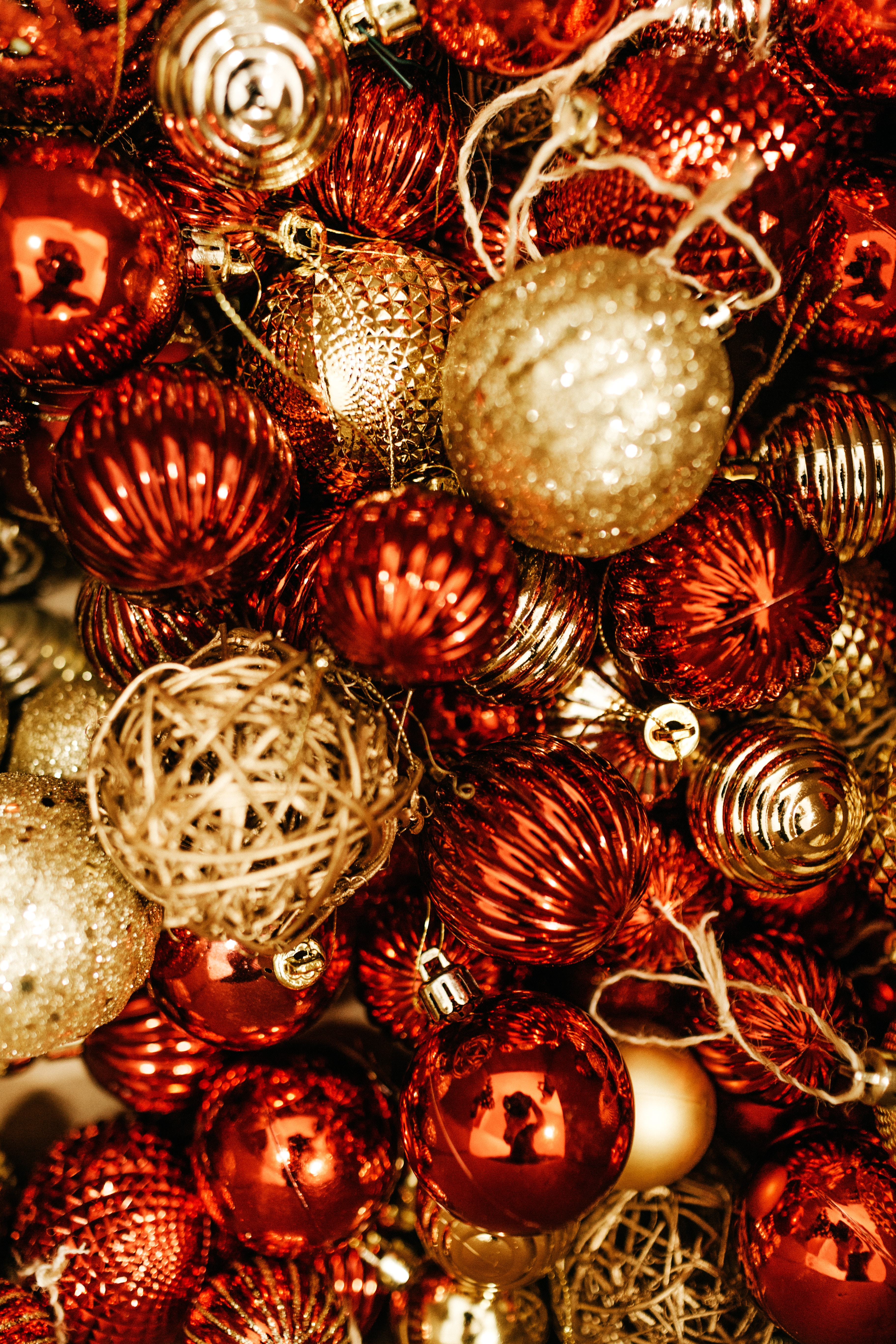 129059 Screensavers and Wallpapers Balls for phone. Download Holidays, New Year, Decorations, Christmas, Balls, Brilliant pictures for free