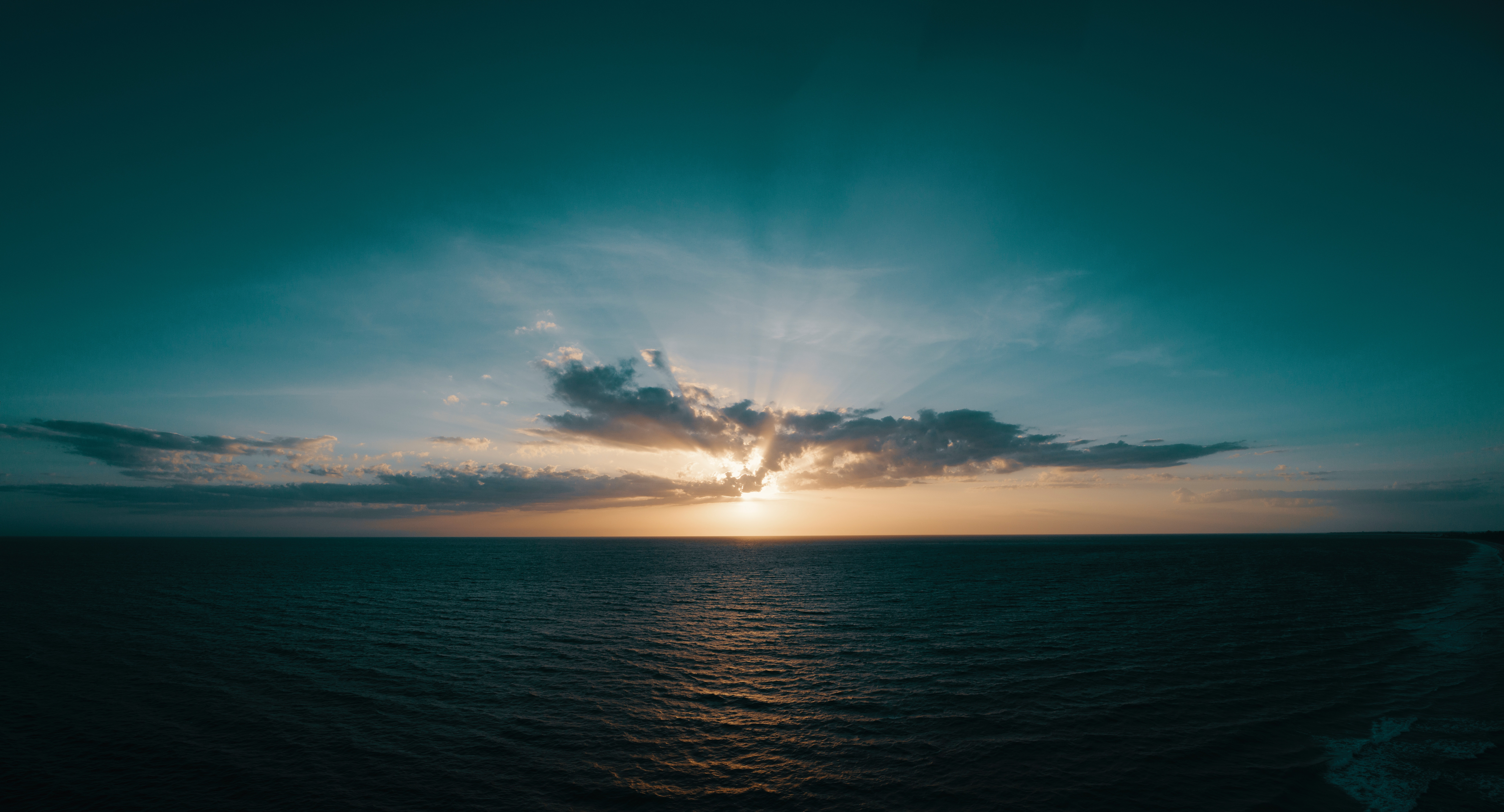 153092 Заставки и Обои Облака на телефон. Скачать Природа, Море, Горизонт, Восход, Облака картинки бесплатно