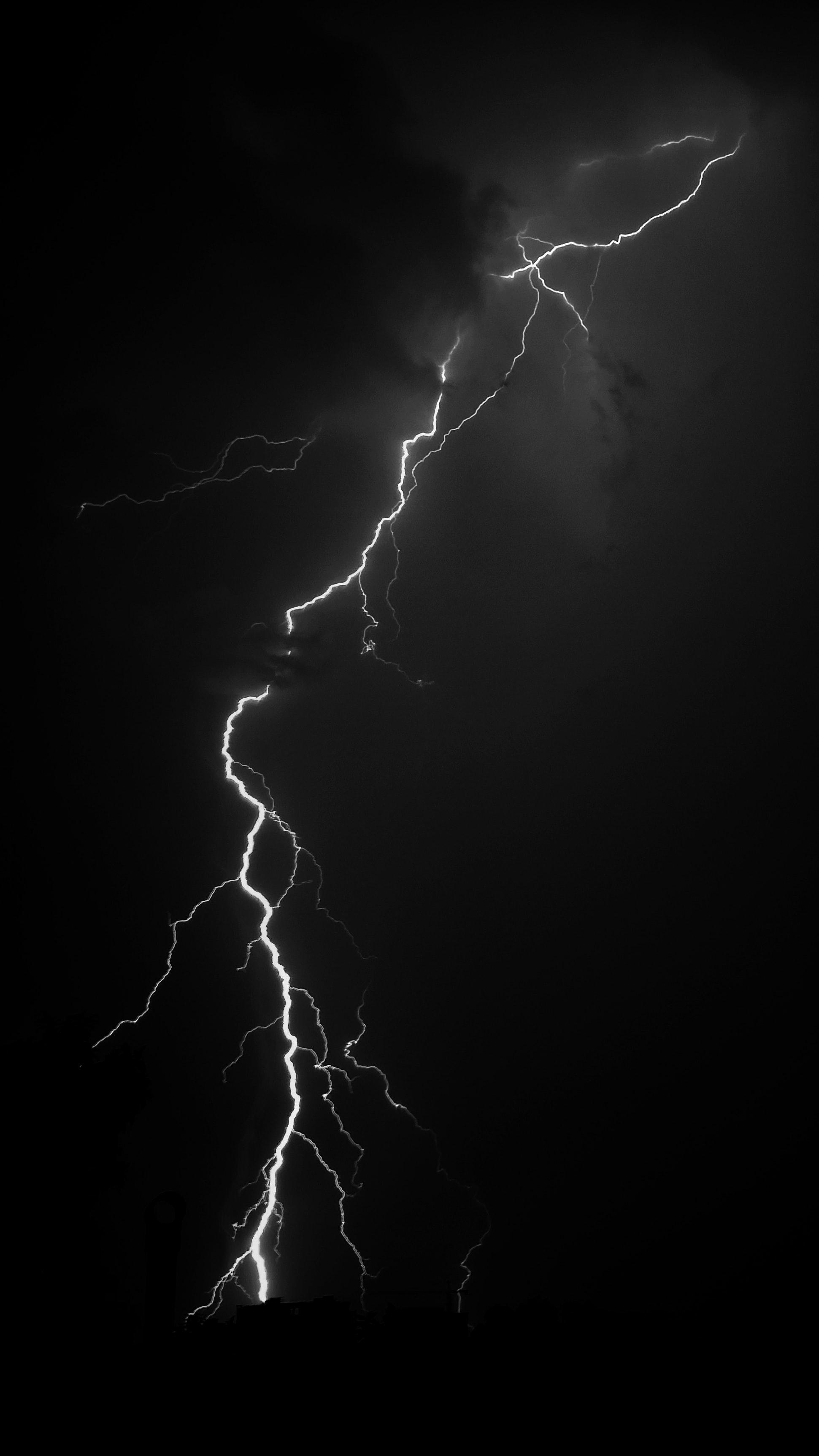 Скачать бесплатно картинку 87308: Молния, Свечение, Черный обои на телефон