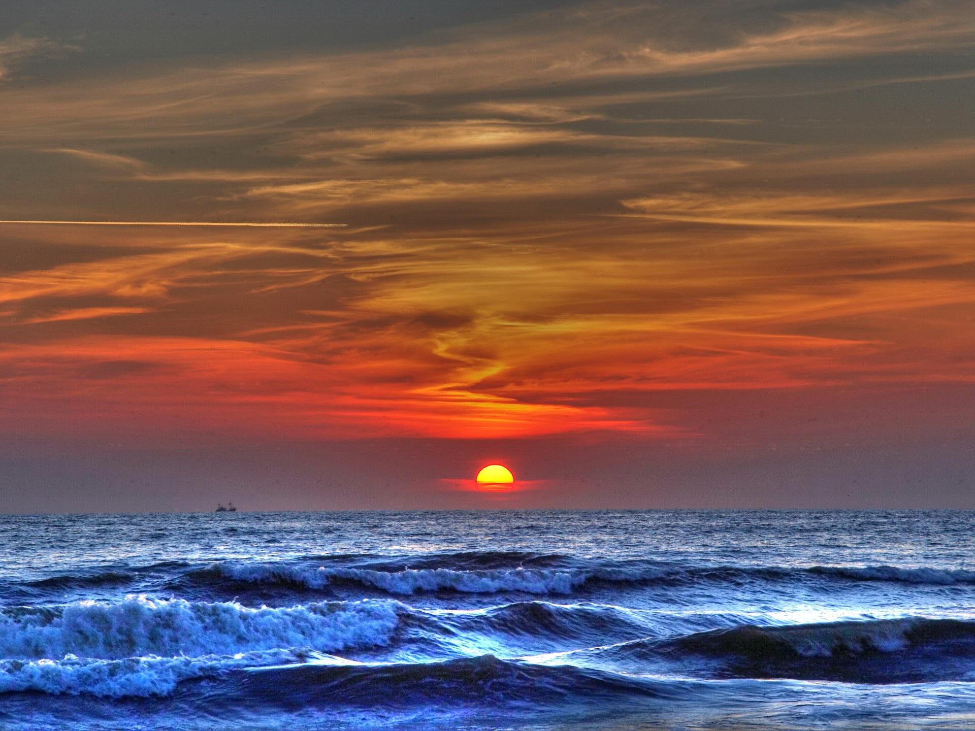 66290 скачать обои Море, Волны, Природа, Закат, Небо, Солнце, Шторм - заставки и картинки бесплатно