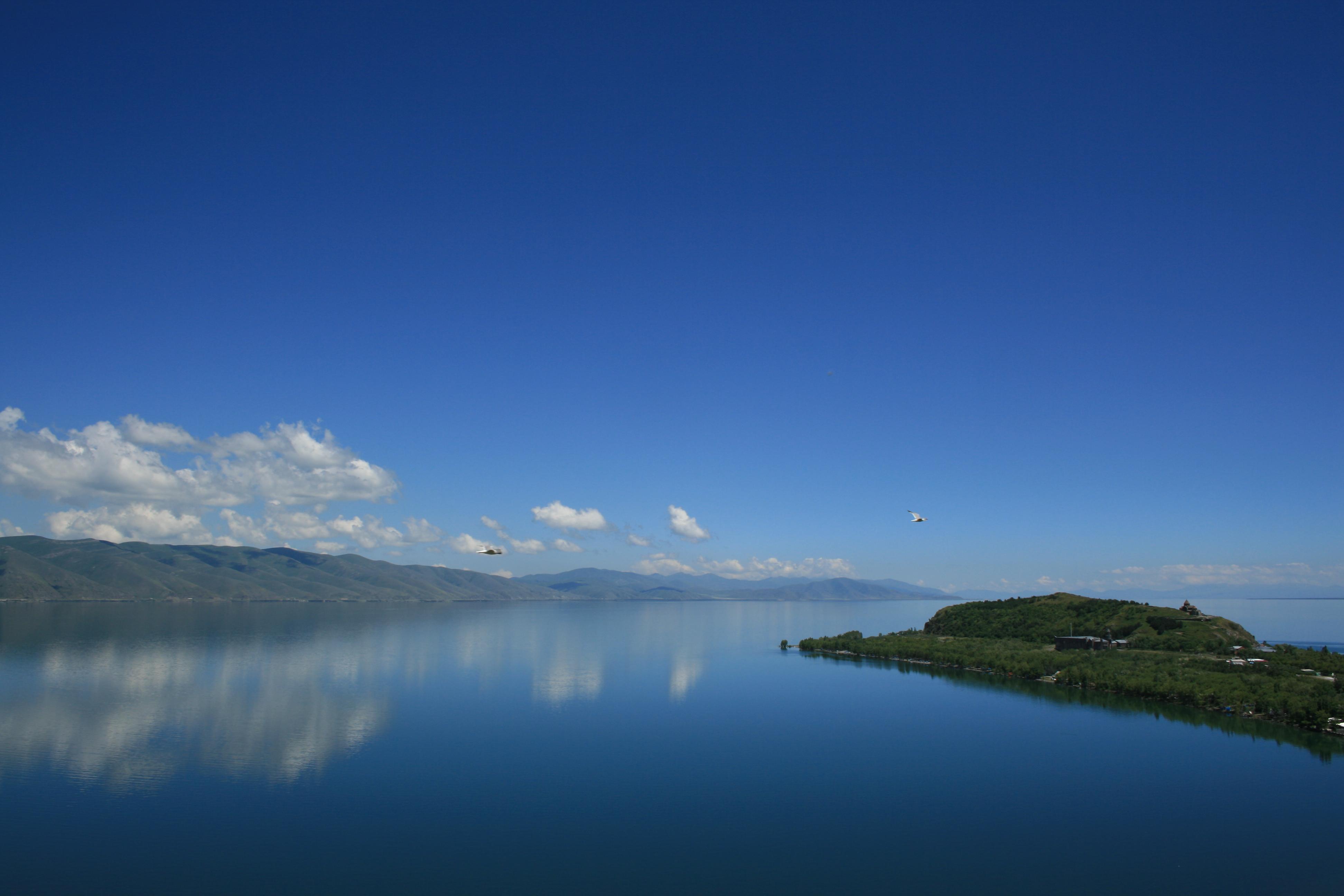 152653 免費下載壁紙 性质, 亚美尼亚塞凡湖日, 亚美尼亚的塞万湖日, 塞万, 亚美尼亚, 湖, 湖景, 八月, 8月 屏保和圖片