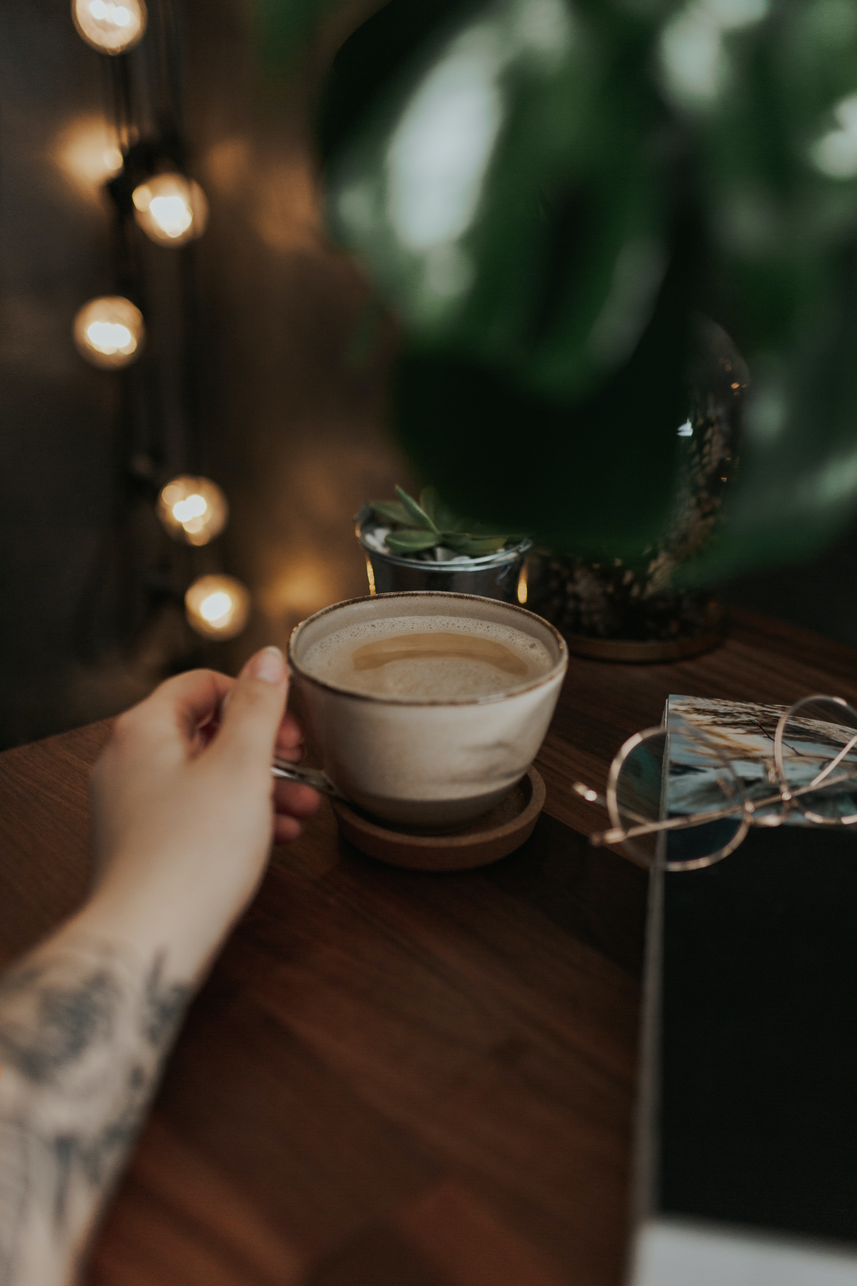 106197 download wallpaper Food, Cup, Coffee, Foam, Meerschaum, Drink, Beverage, Hand screensavers and pictures for free
