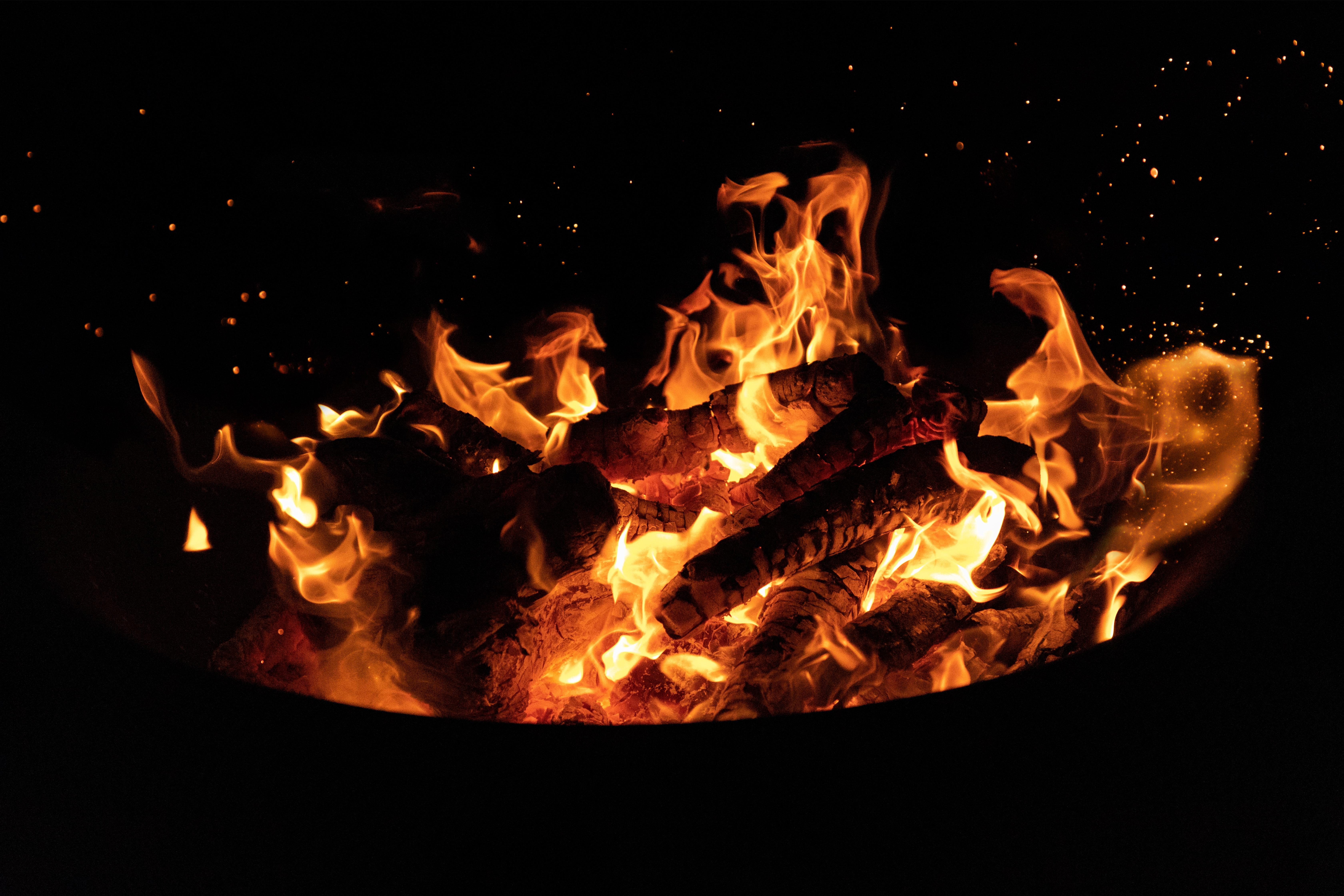 118107 免費下載壁紙 黑暗的, 黑暗, 火焰, 火花, 火, 深色 屏保和圖片