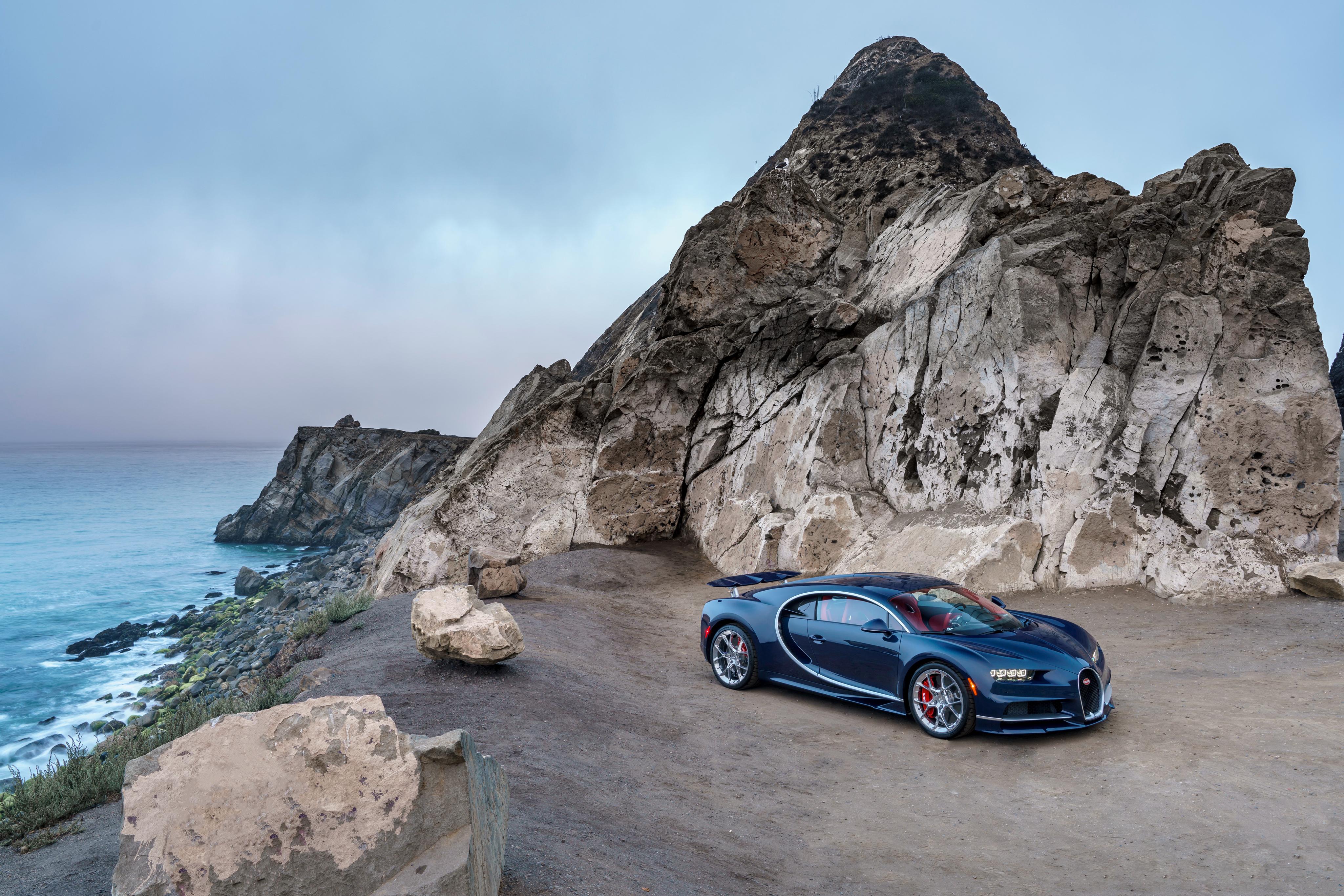 76459 скачать обои Бугатти (Bugatti), Синий, Тачки (Cars), Вид Сбоку, Chiron - заставки и картинки бесплатно