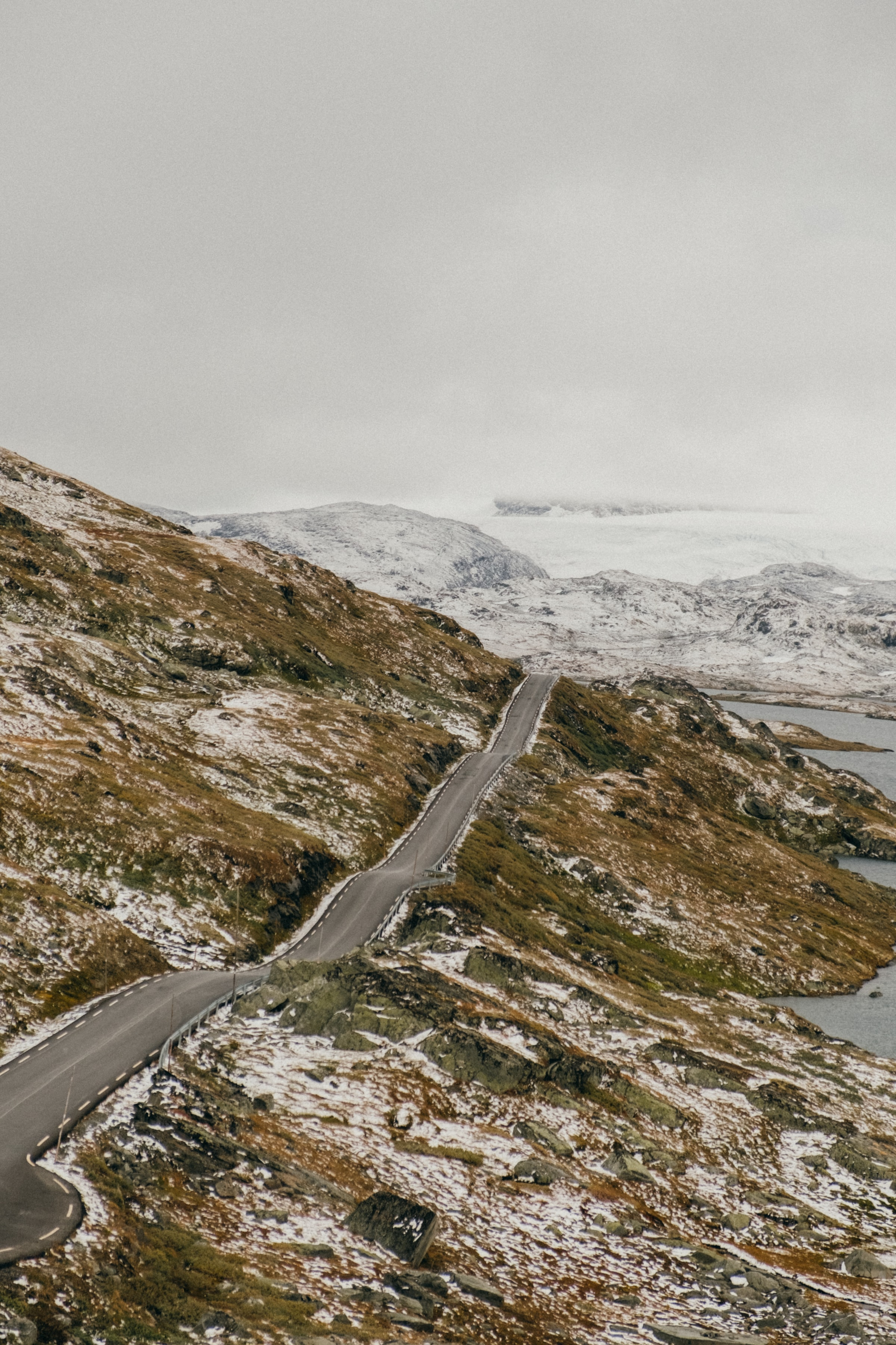 148404 download wallpaper Nature, Road, Dahl, Distance, Rocks, Snow, Snow Covered, Snowbound screensavers and pictures for free