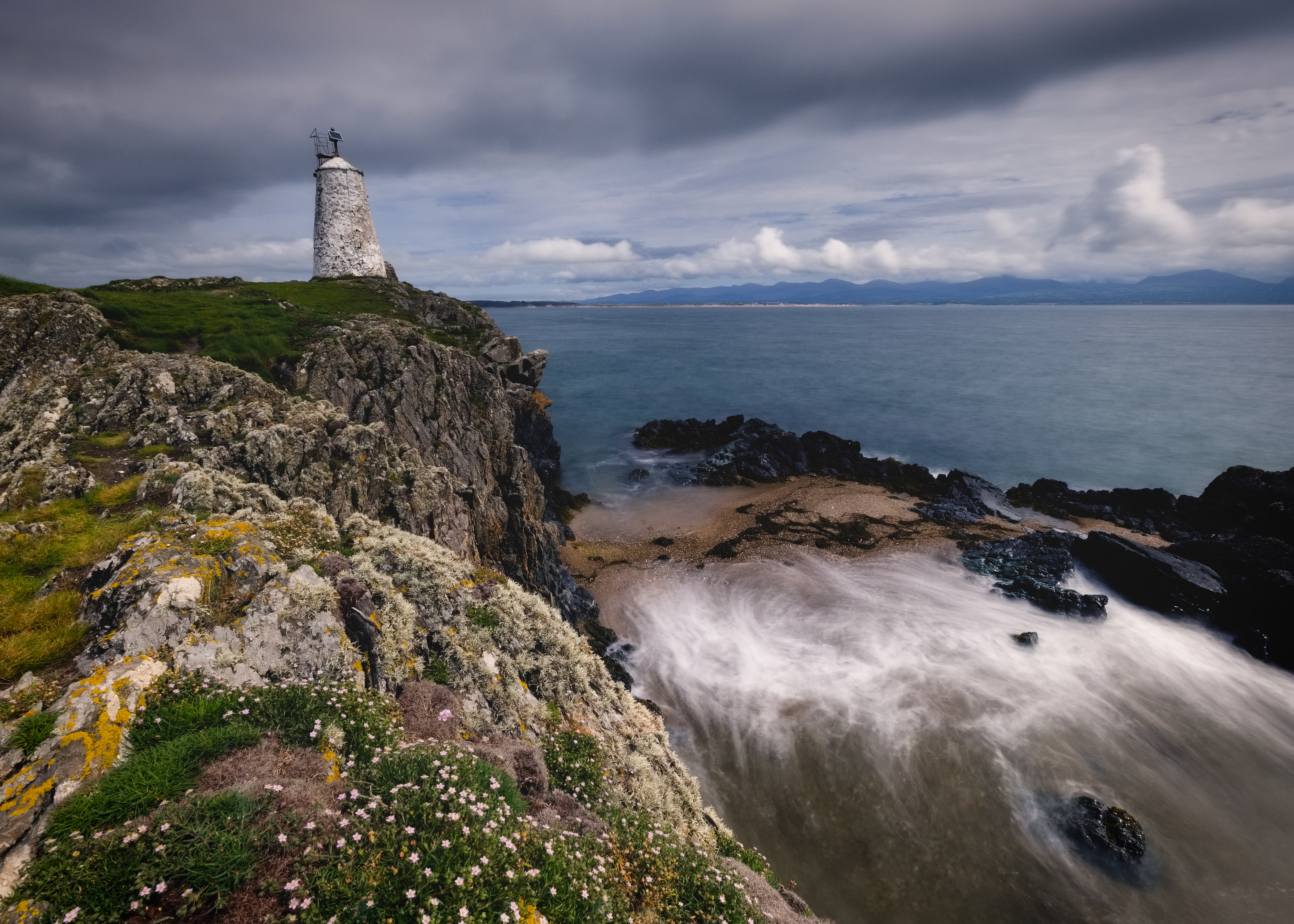 97324 download wallpaper Nature, Lighthouse, Cliff, Rock, Shore, Bank, Sea screensavers and pictures for free