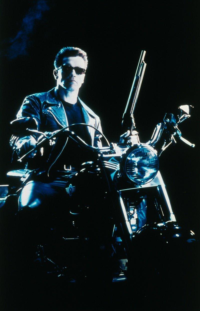 21666 скачать обои Люди, Кино, Актеры, Терминатор (Terminator), Арнольд Шварценеггер (Arnold Schwarzenegger), Мужчины - заставки и картинки бесплатно