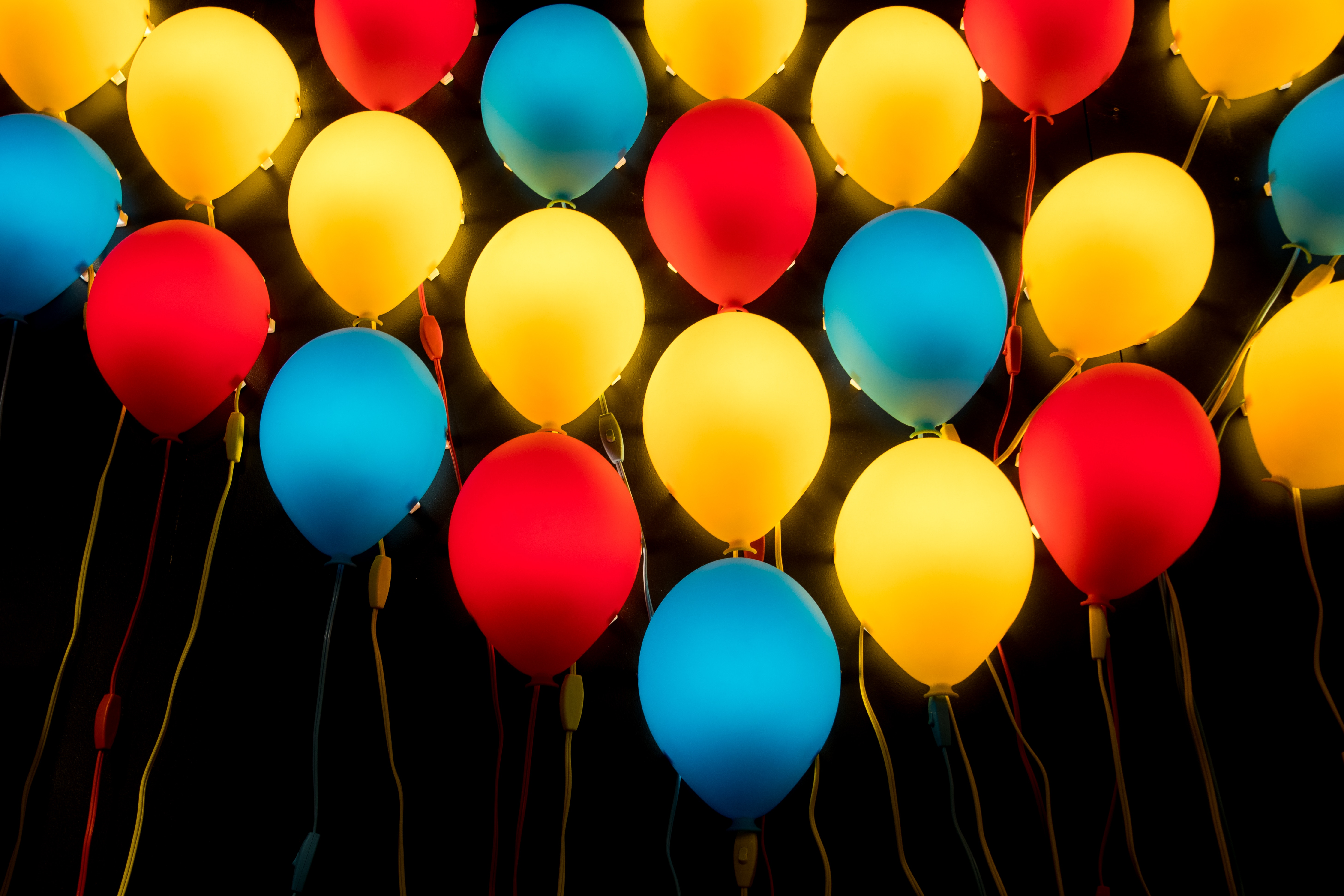 91735 Screensavers and Wallpapers Balloons for phone. Download Balloons, Miscellanea, Miscellaneous, Multicolored, Motley, Lamp, Lamps, Air Balloons pictures for free