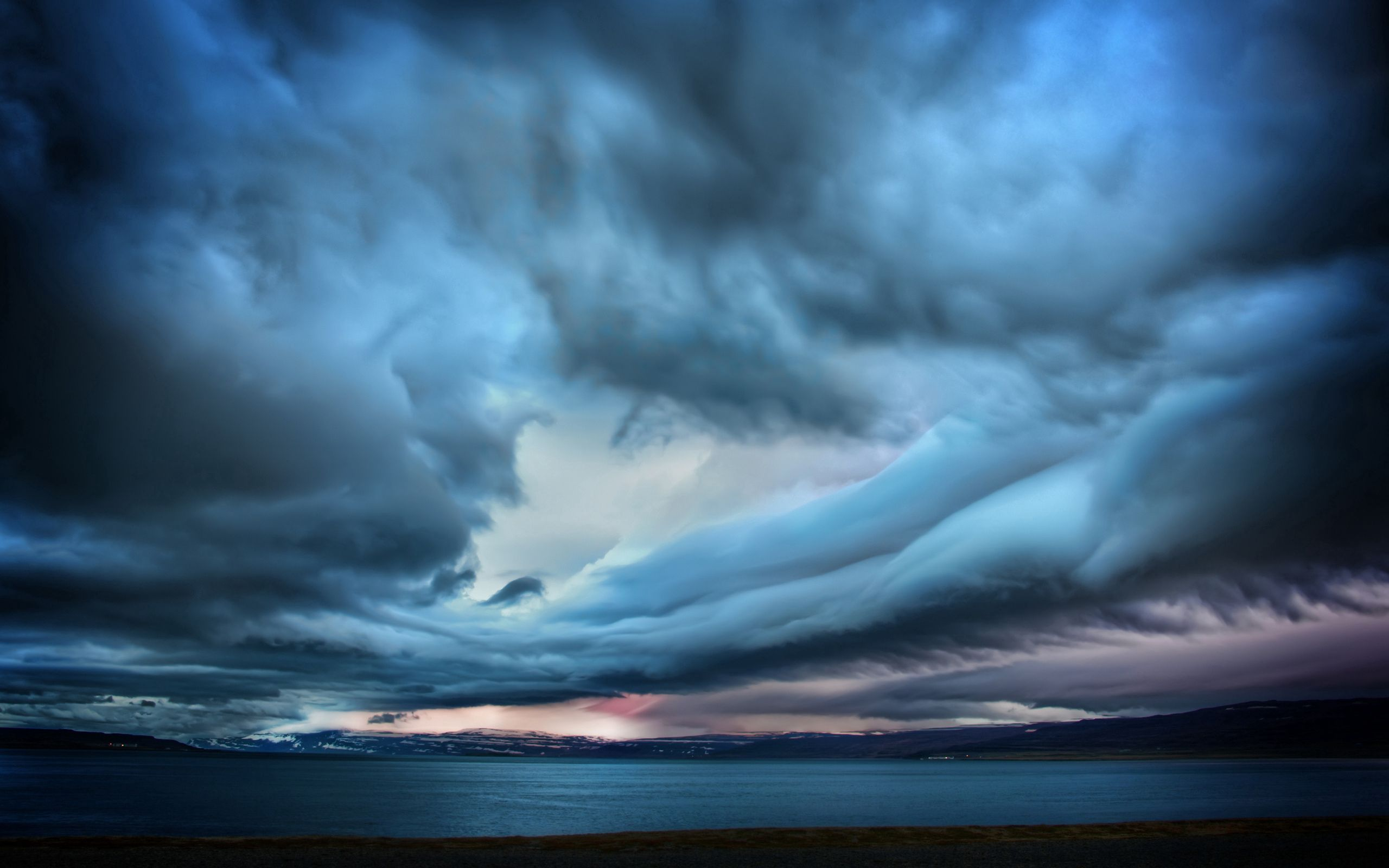 81267 download wallpaper Sky, Nature, Sea, Clouds, Smooth, Surface, Gloomy, Blackness screensavers and pictures for free