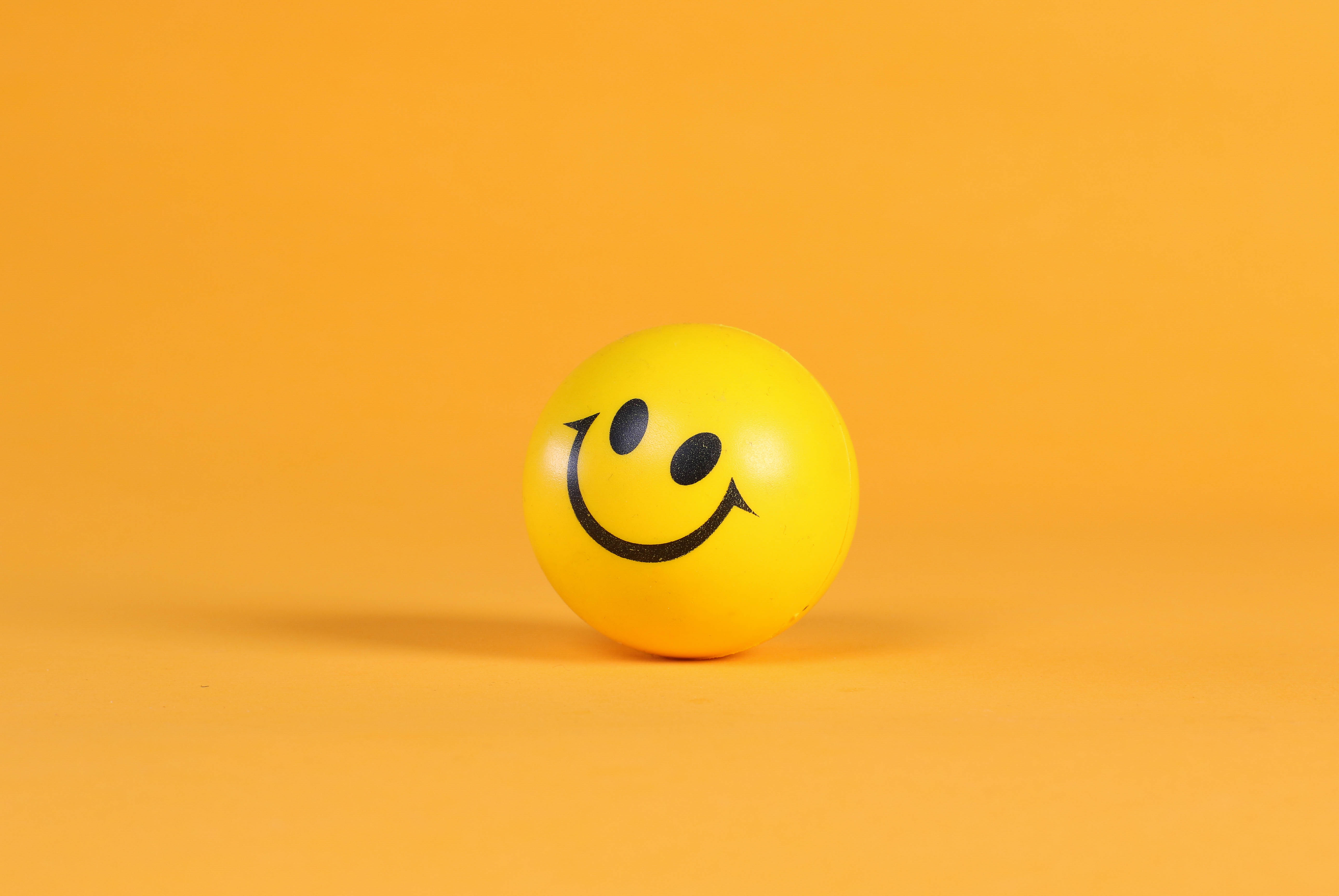 156862 Screensavers and Wallpapers Smile for phone. Download Smiley, Miscellanea, Miscellaneous, Smile, Ball, Emoticon pictures for free