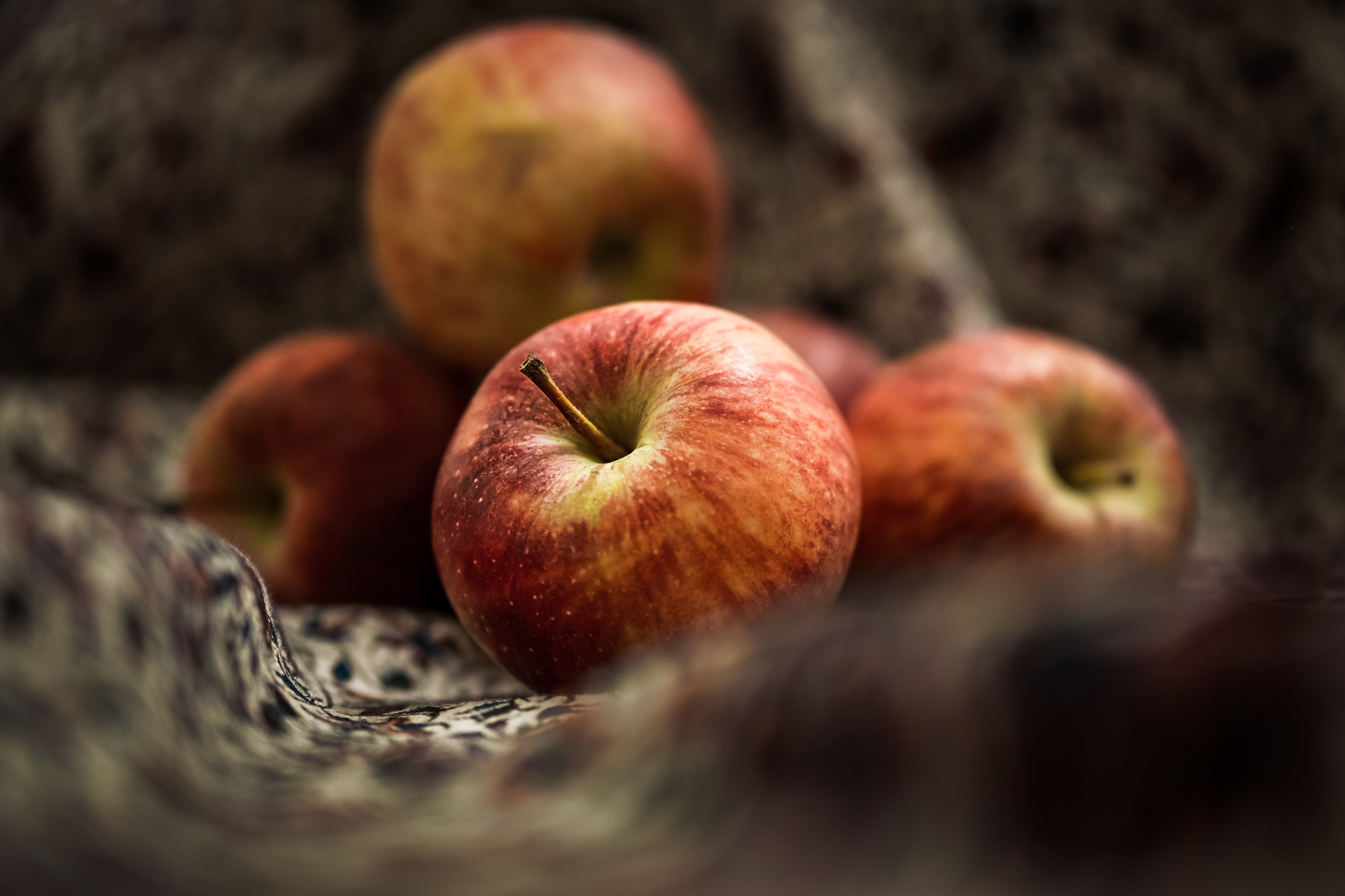 131579 Screensavers and Wallpapers Apple for phone. Download Food, Apple, Fruit, Close-Up pictures for free