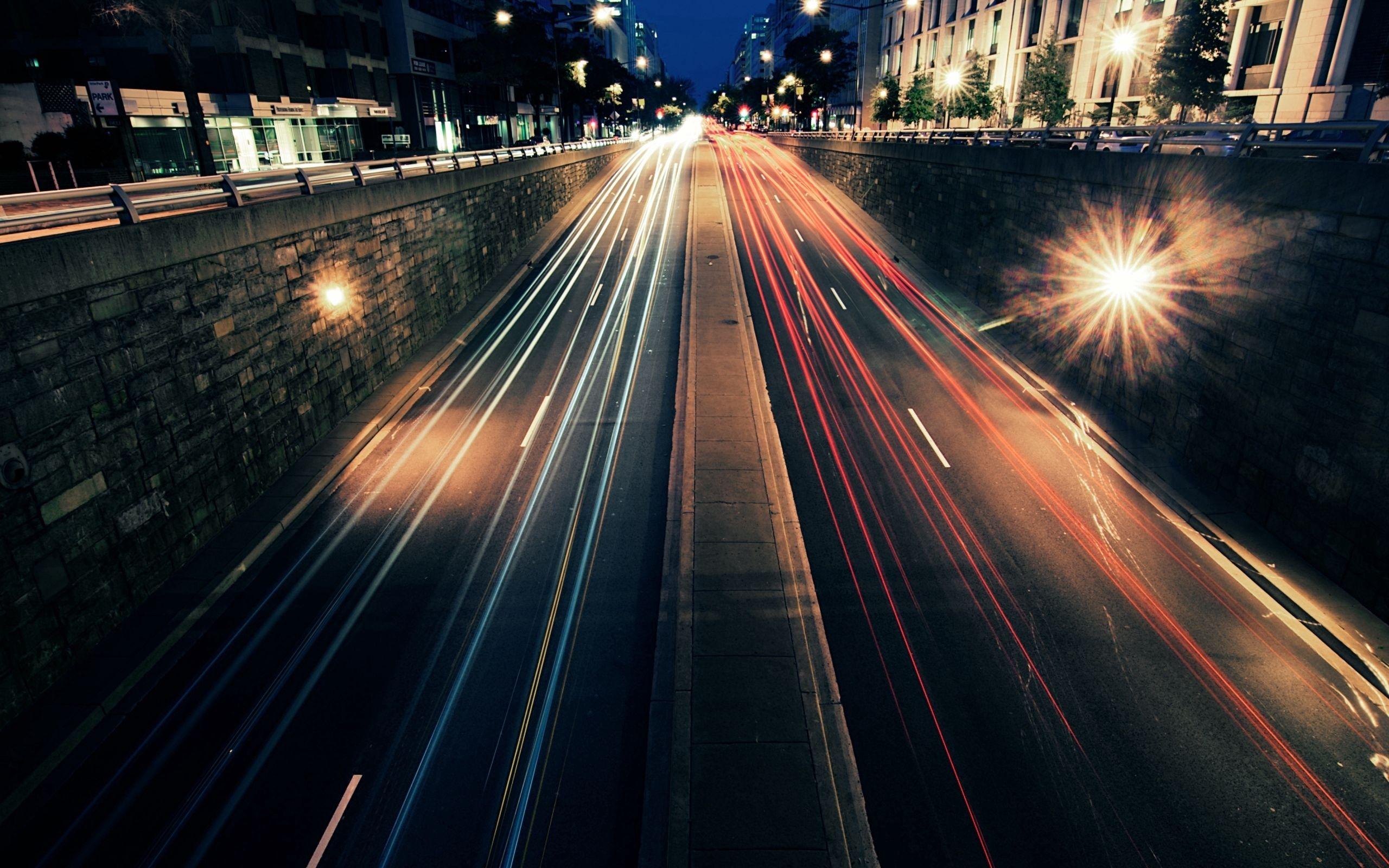 82686 скачать обои Города, Машины, Улицы, Ночь, Город, Огни, Дорога, Движение, Скорость - заставки и картинки бесплатно