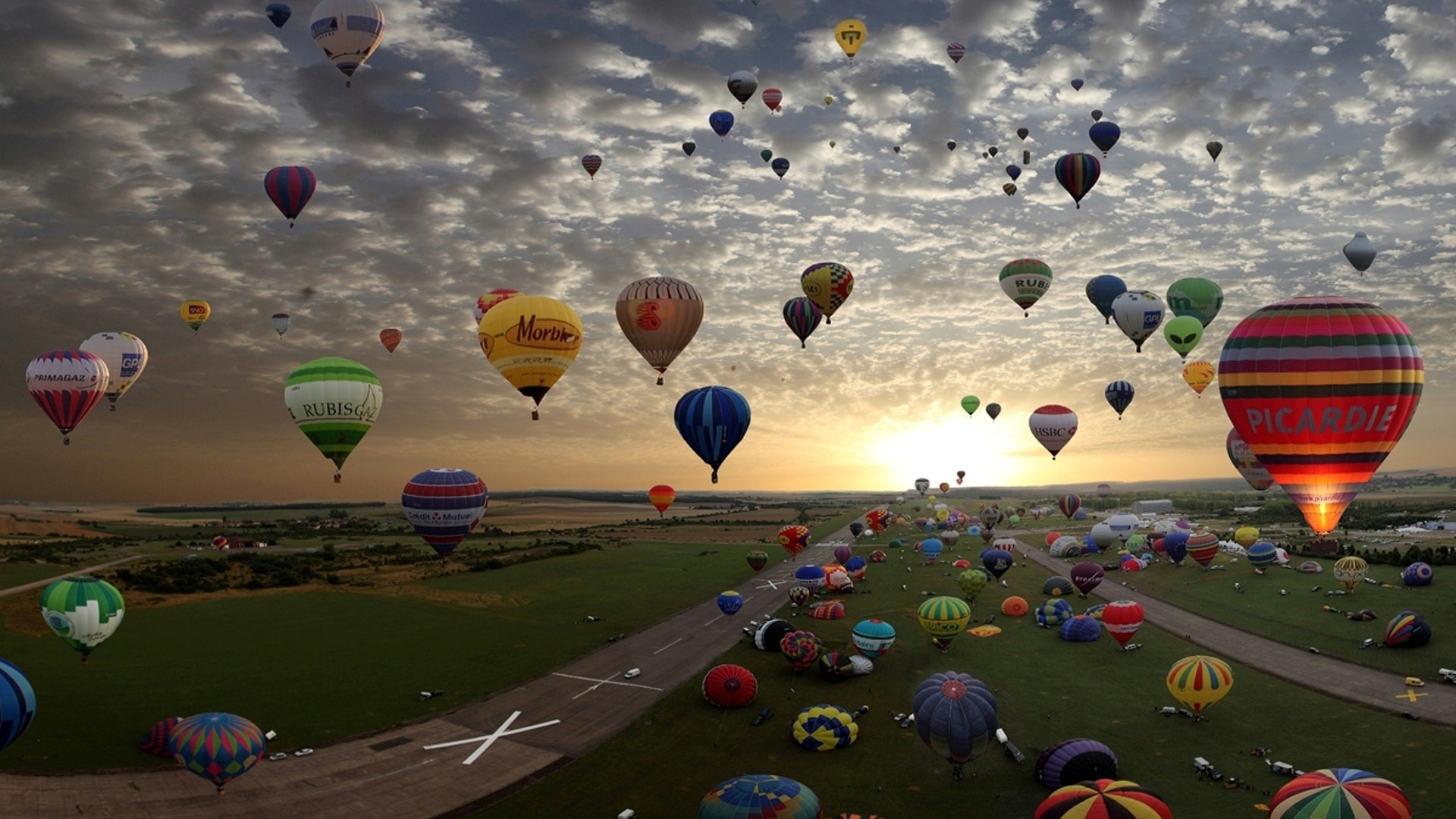 18710 скачать обои Пейзаж, Закат, Небо, Облака, Воздушные Шары - заставки и картинки бесплатно