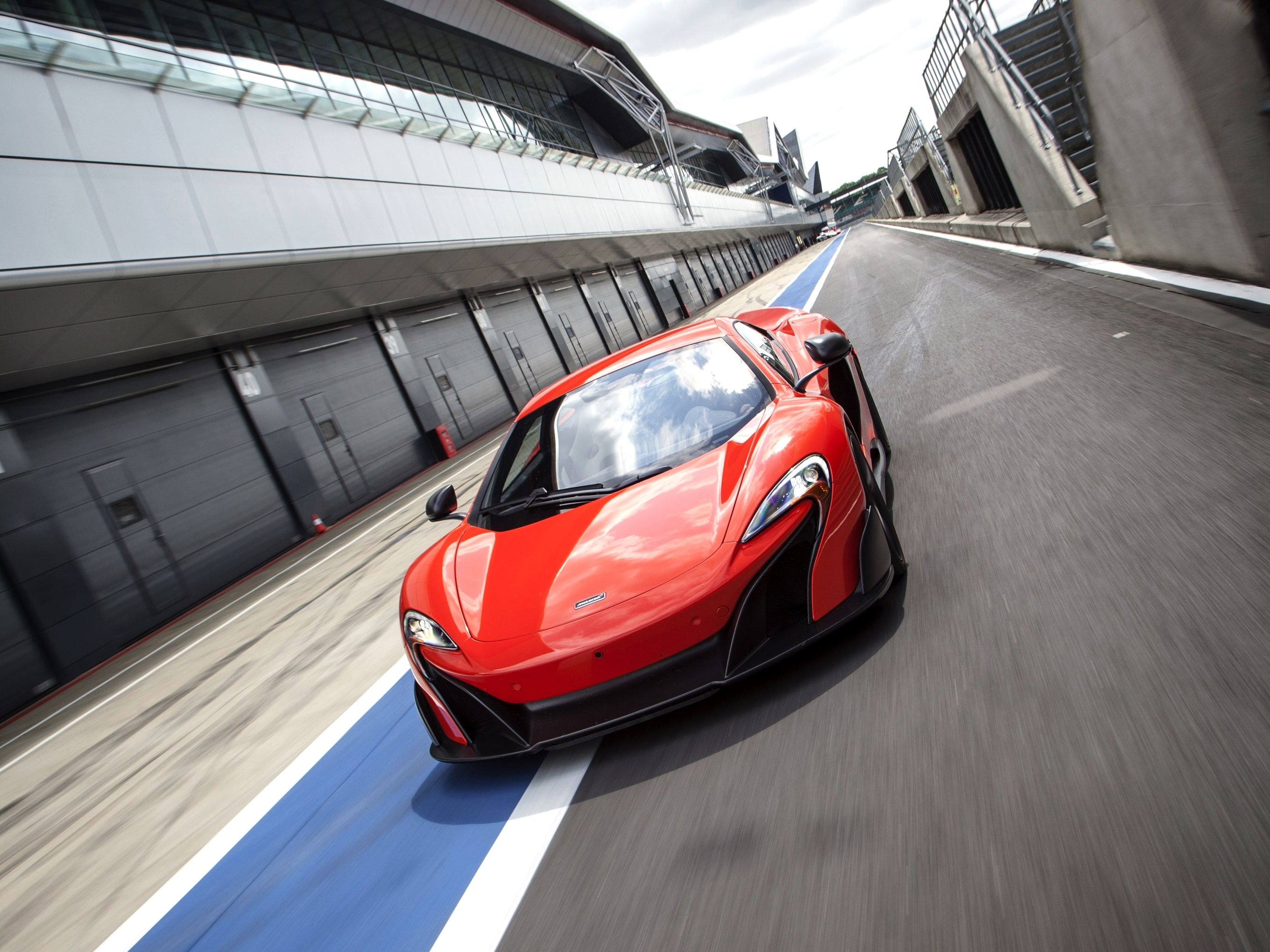 133138 download wallpaper Cars, Mclaren, 675Lt, Us-Spec, Traffic, Movement screensavers and pictures for free