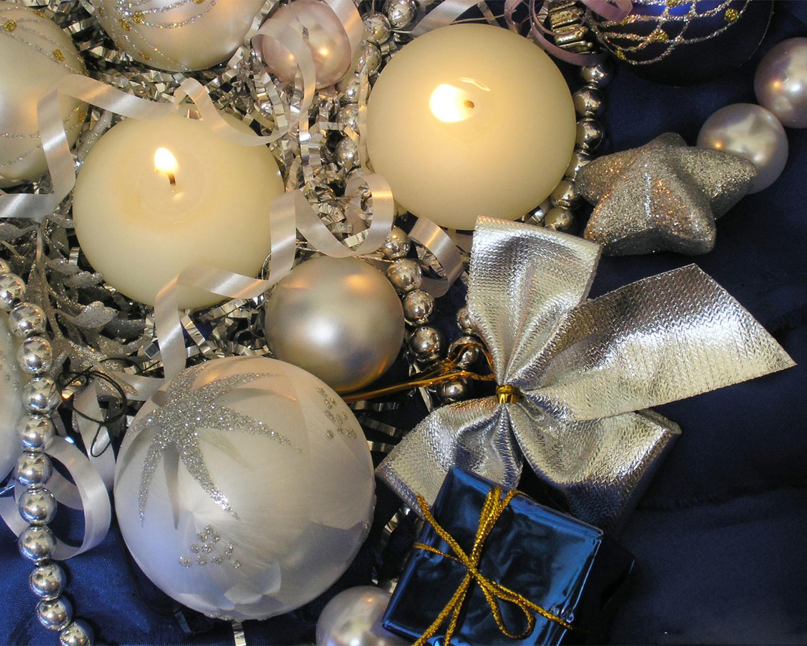 14028 скачать обои Праздники, Новый Год (New Year), Игрушки, Рождество (Christmas, Xmas), Свечи - заставки и картинки бесплатно