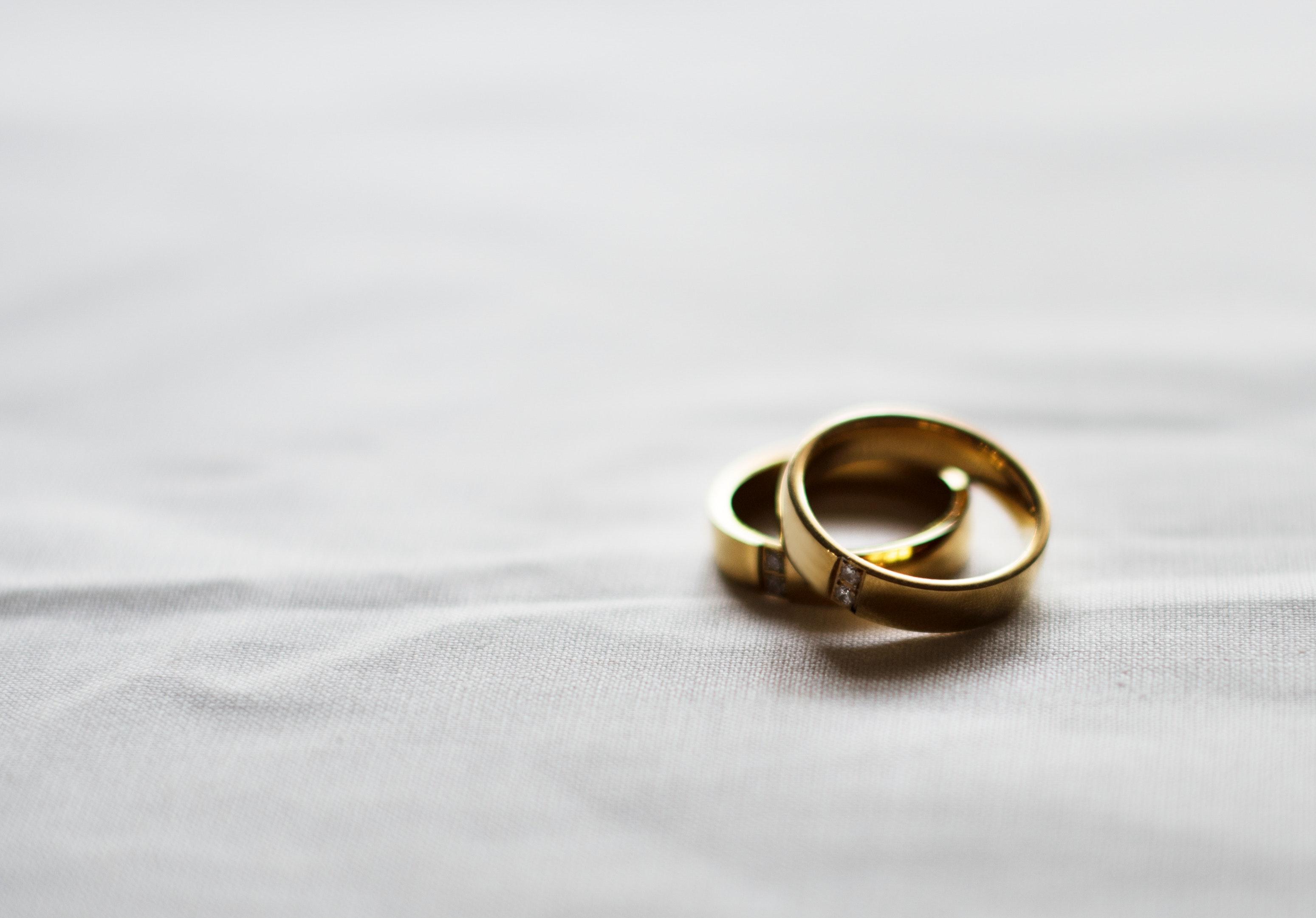 84890 скачать обои Свадьба, Любовь, Кольца, Золото, Пара - заставки и картинки бесплатно