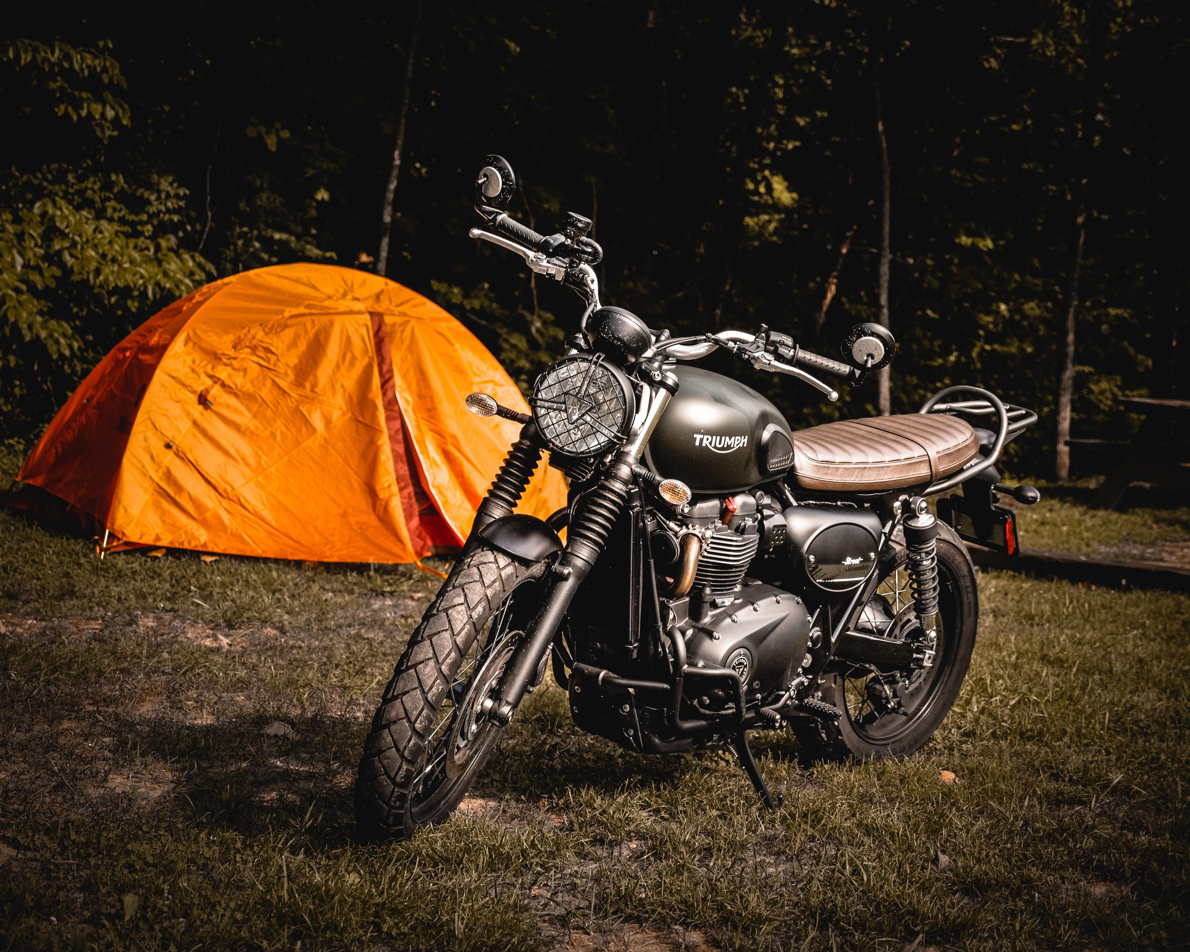 101975 Заставки и Обои Мотоциклы на телефон. Скачать Мотоциклы, Палатка, Трава, Мотоцикл картинки бесплатно