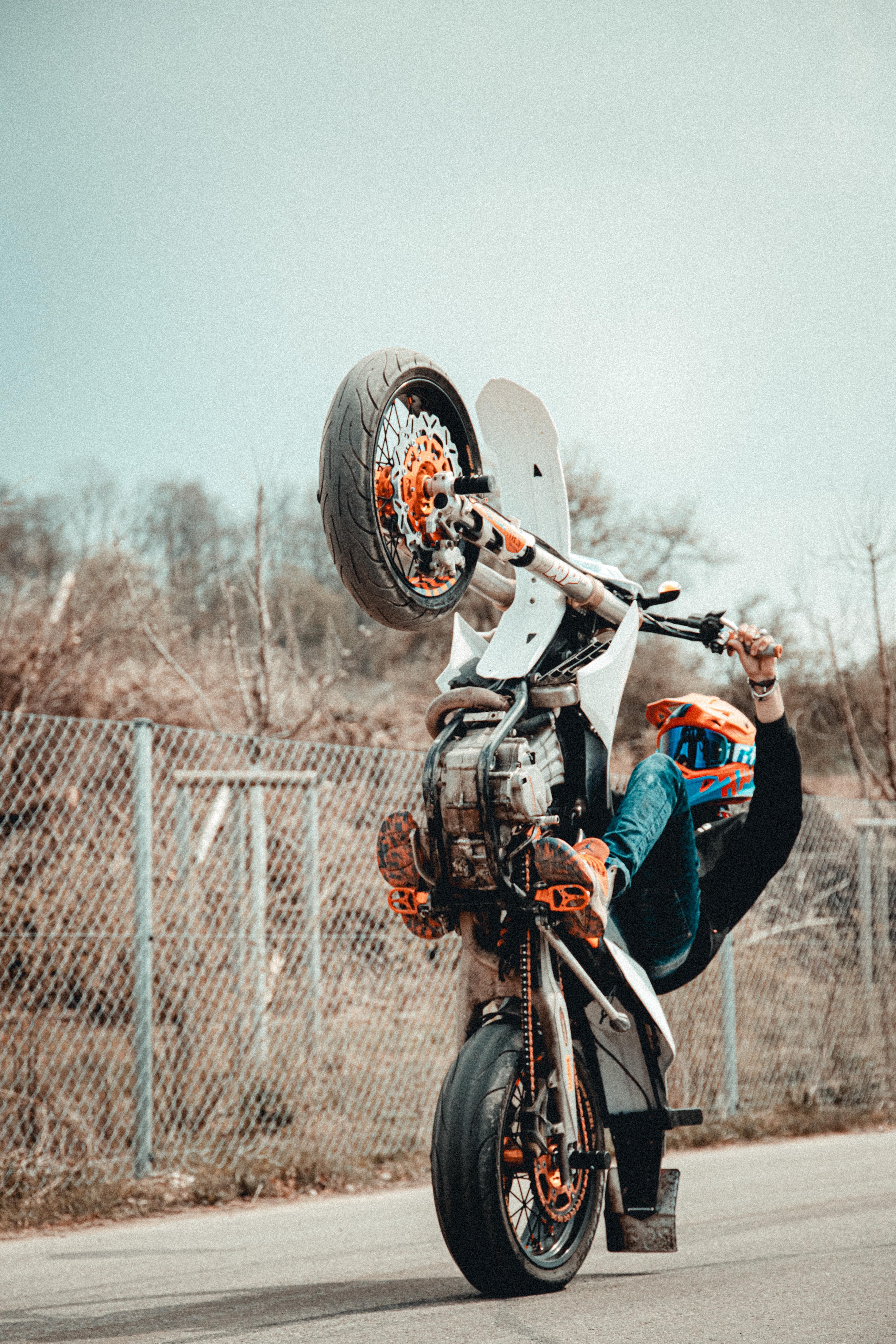 52260 Заставки и Обои Мотоциклы на телефон. Скачать Мотоциклы, Мотоциклист, Шлем, Мотоцикл, Трюк картинки бесплатно