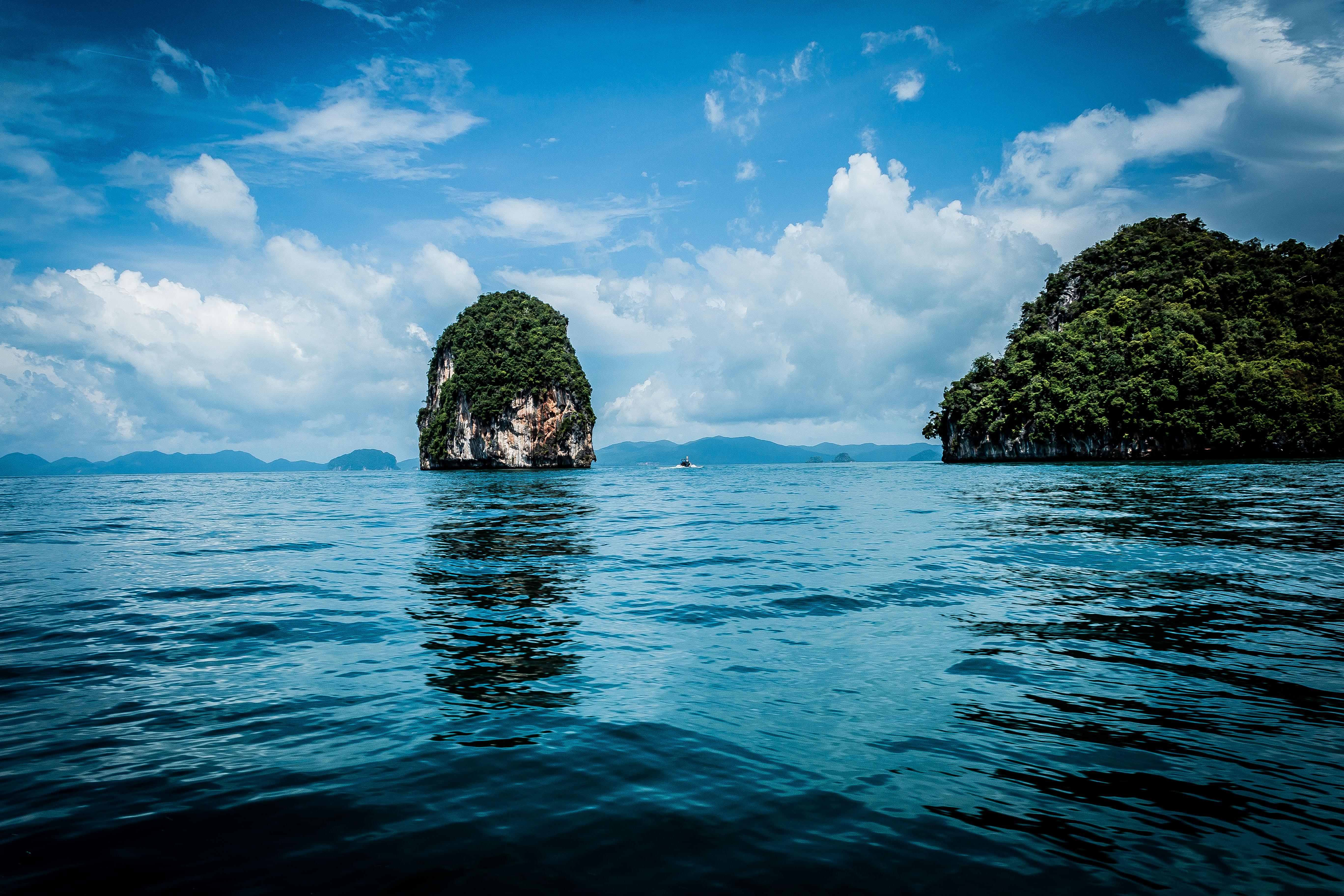 101542 скачать обои Природа, Море, Скала, Растения, Тропический - заставки и картинки бесплатно