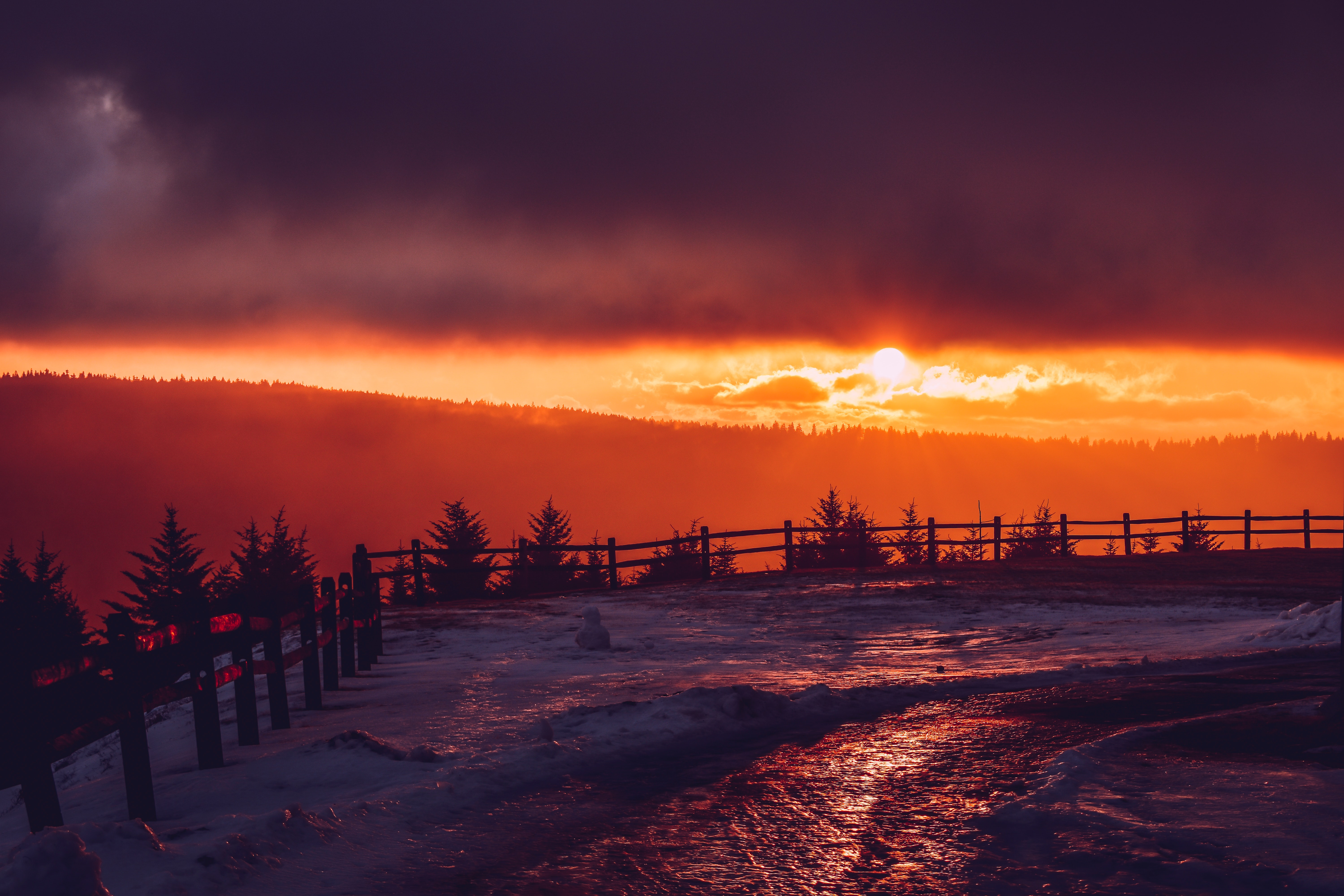 131128 download wallpaper Winter, Snow, Nature, Sunset, Mountains, Fence screensavers and pictures for free