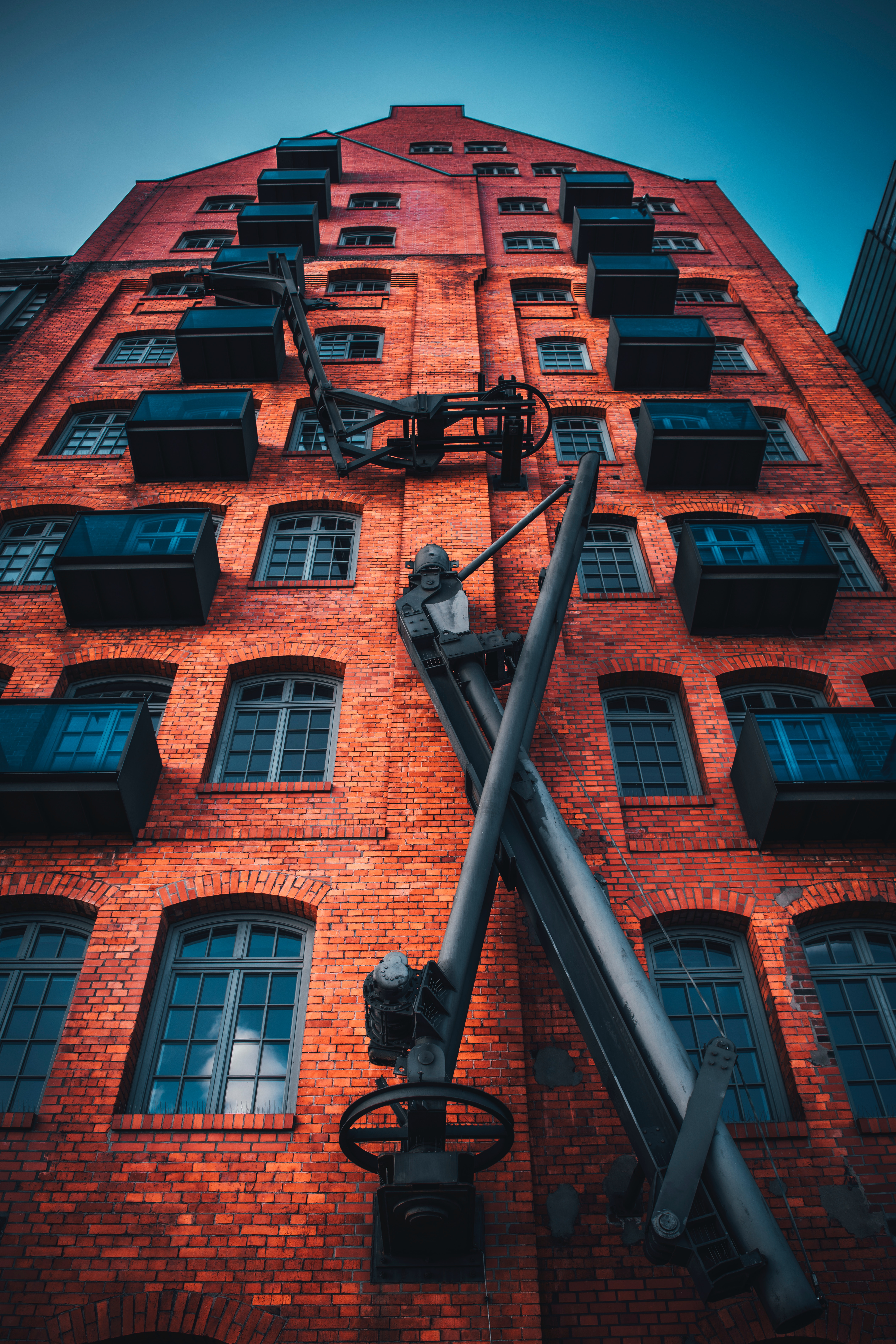 88120 Screensavers and Wallpapers Windows for phone. Download Cities, Windows, Architecture, Building, Facade, Balconies, Brick pictures for free