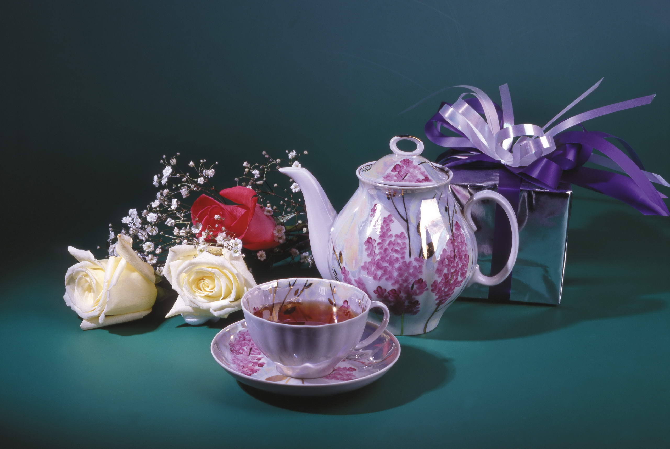 58193 download wallpaper Food, Cup, Teapot, Kettle, Box, Bow, Flowers screensavers and pictures for free