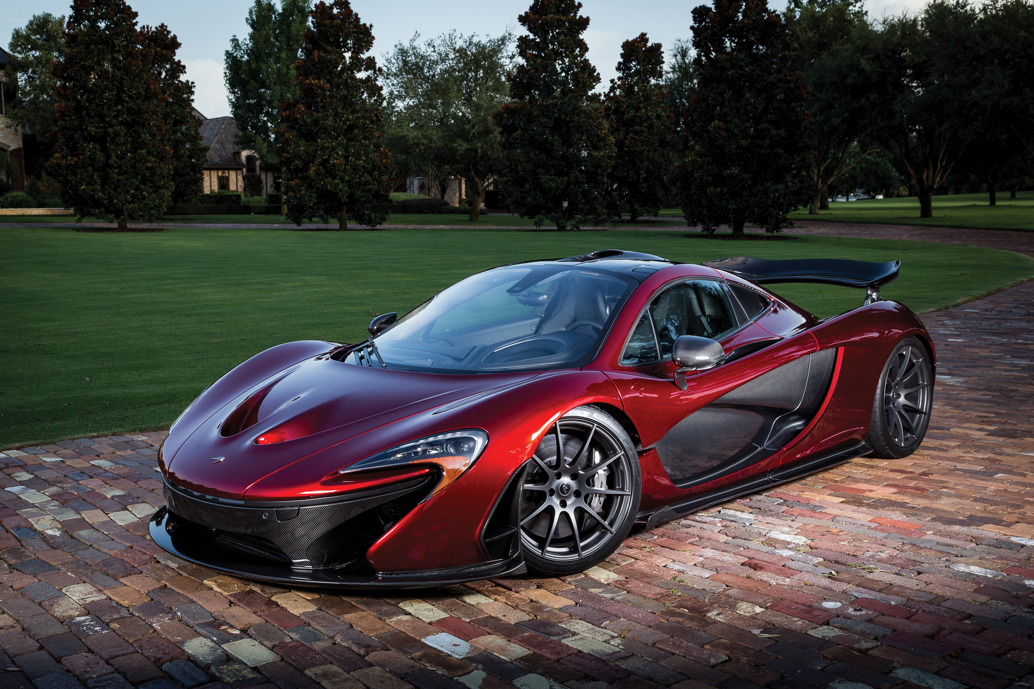 82896 download wallpaper Sports, Mclaren, Cars, Sports Car, Side View, P1 screensavers and pictures for free