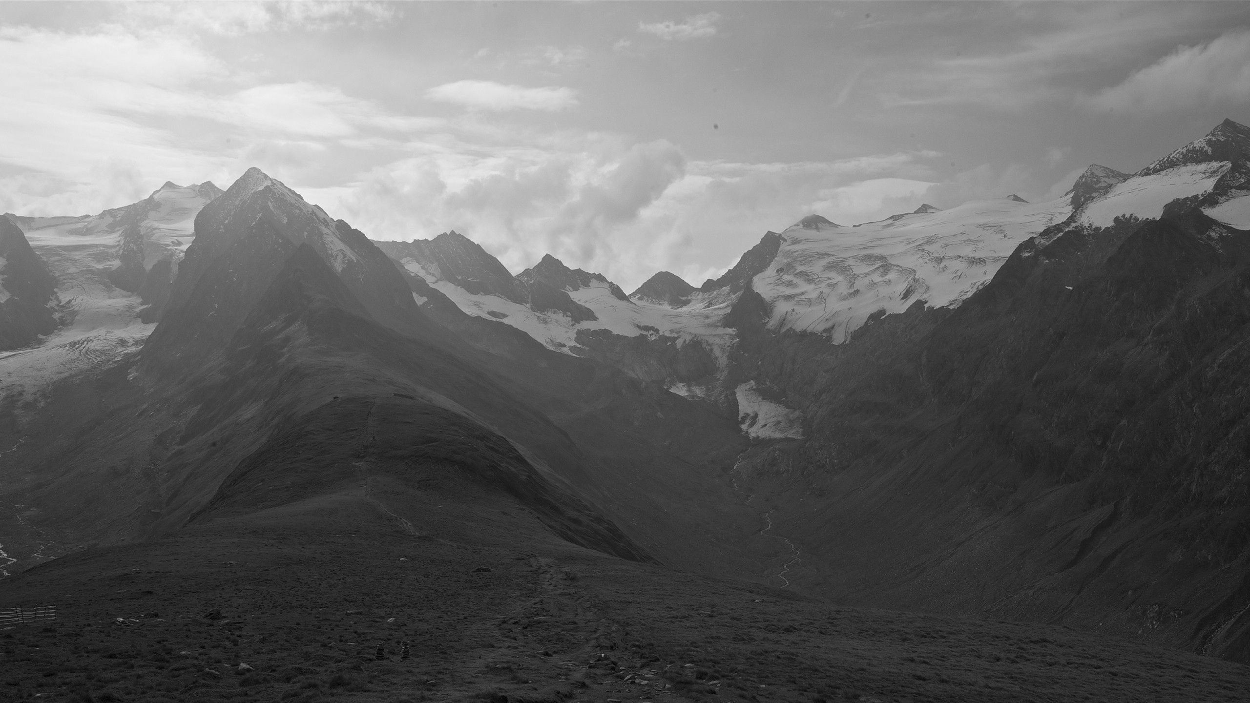 100672 Screensavers and Wallpapers Dahl for phone. Download Nature, Sky, Mountains, Bw, Chb, Dahl, Distance pictures for free