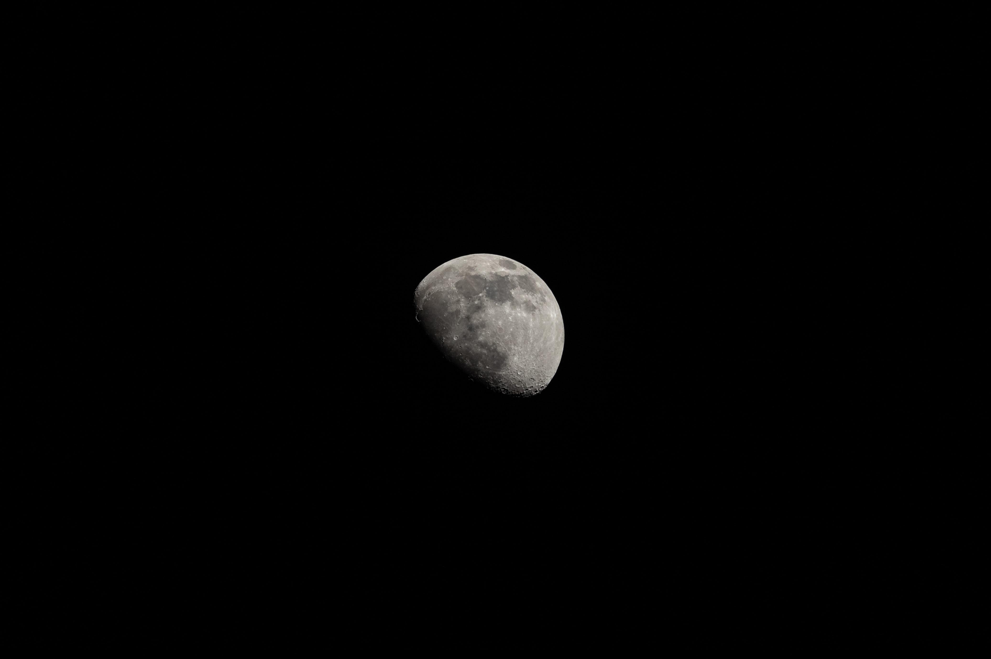 113092 Hintergrundbild herunterladen Hintergrund, Übernachtung, Mond, Das Schwarze - Bildschirmschoner und Bilder kostenlos