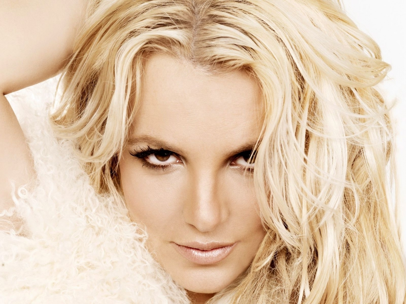 42557 download wallpaper People, Britney Spears screensavers and pictures for free
