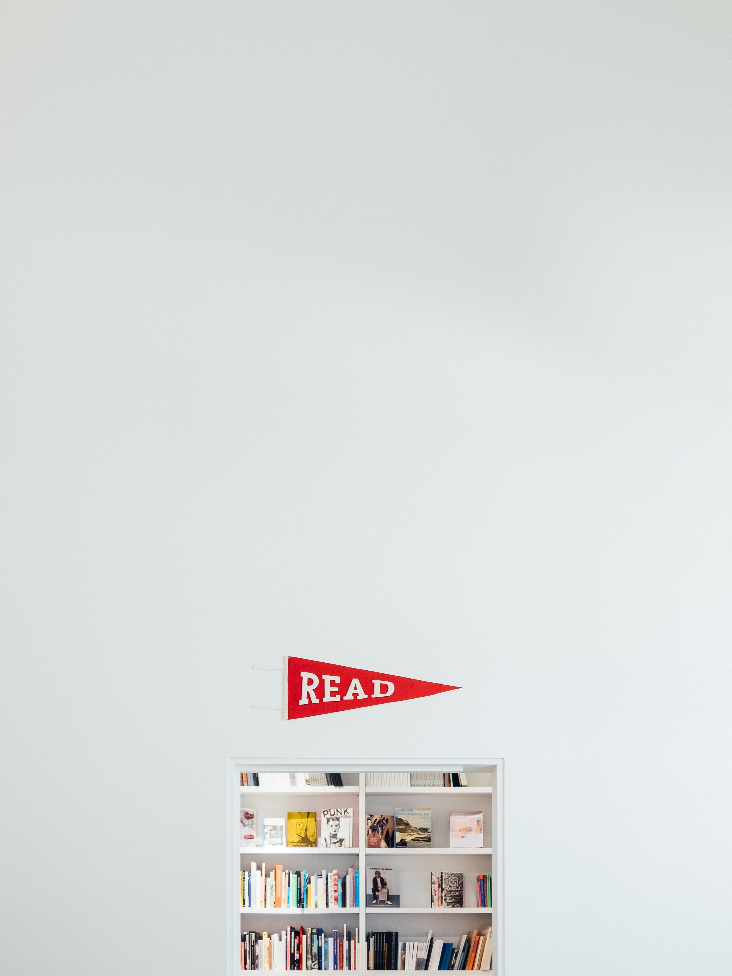 141982 скачать обои Минимализм, Книги, Полка, Чтение - заставки и картинки бесплатно