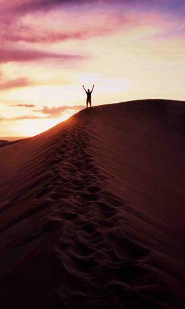 100515 Заставки и Обои Пустыня на телефон. Скачать Природа, Песок, Человек, Небо, Вечер, Пустыня картинки бесплатно