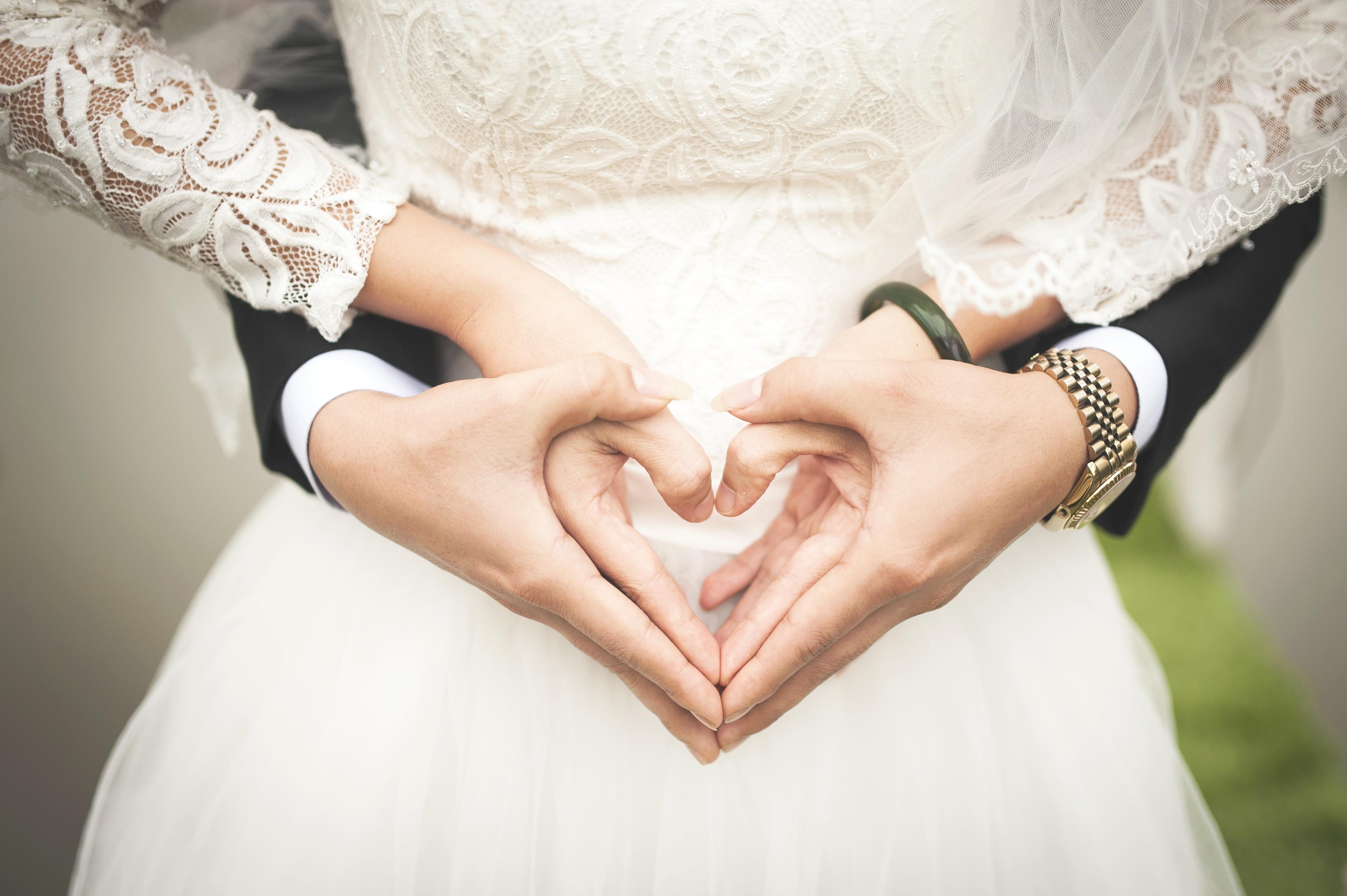 147046 скачать обои Свадьба, Любовь, Руки, Романтика, Сердце - заставки и картинки бесплатно