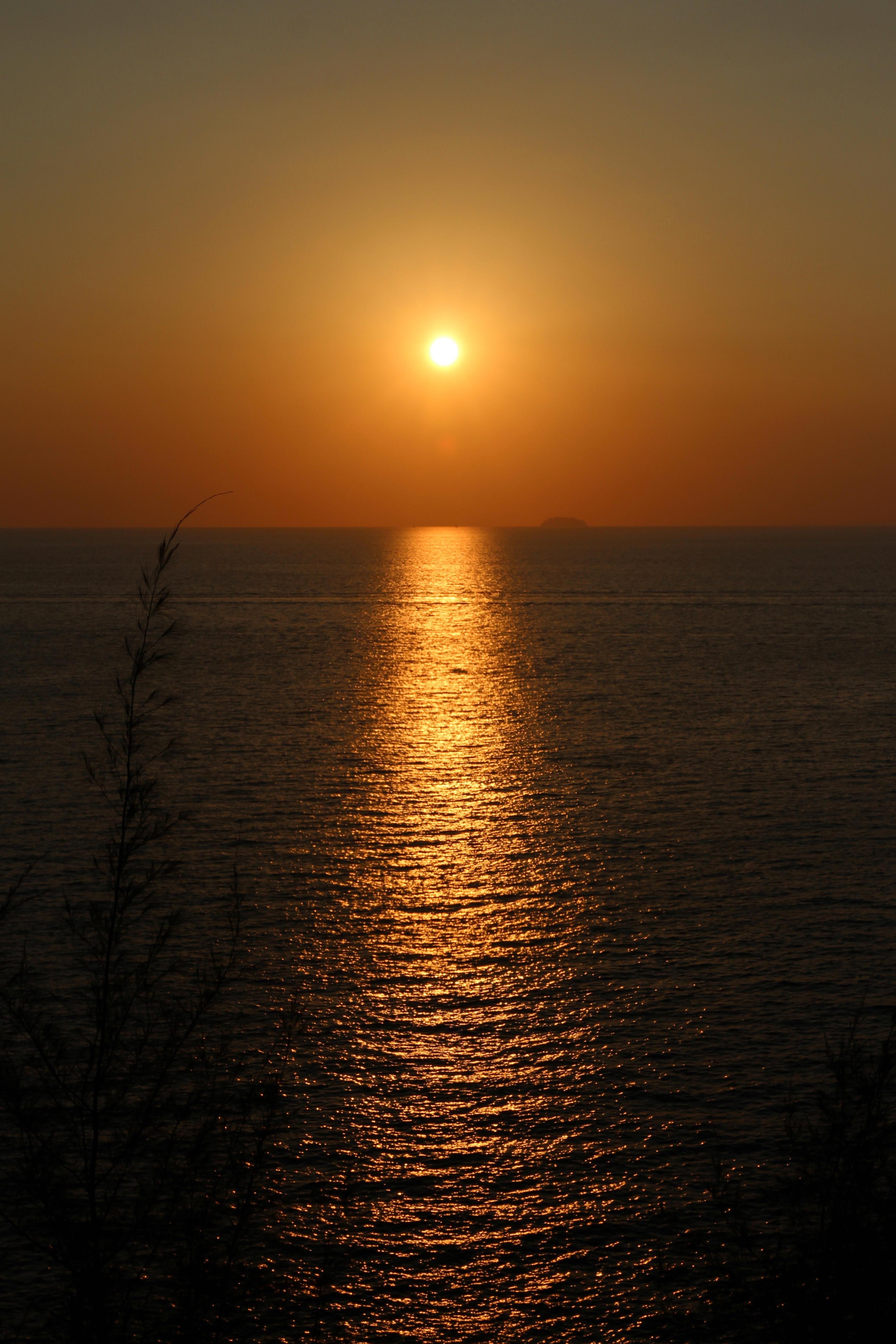 134578 скачать обои Природа, Закат, Море, Горизонт, Рябь, Солнце - заставки и картинки бесплатно