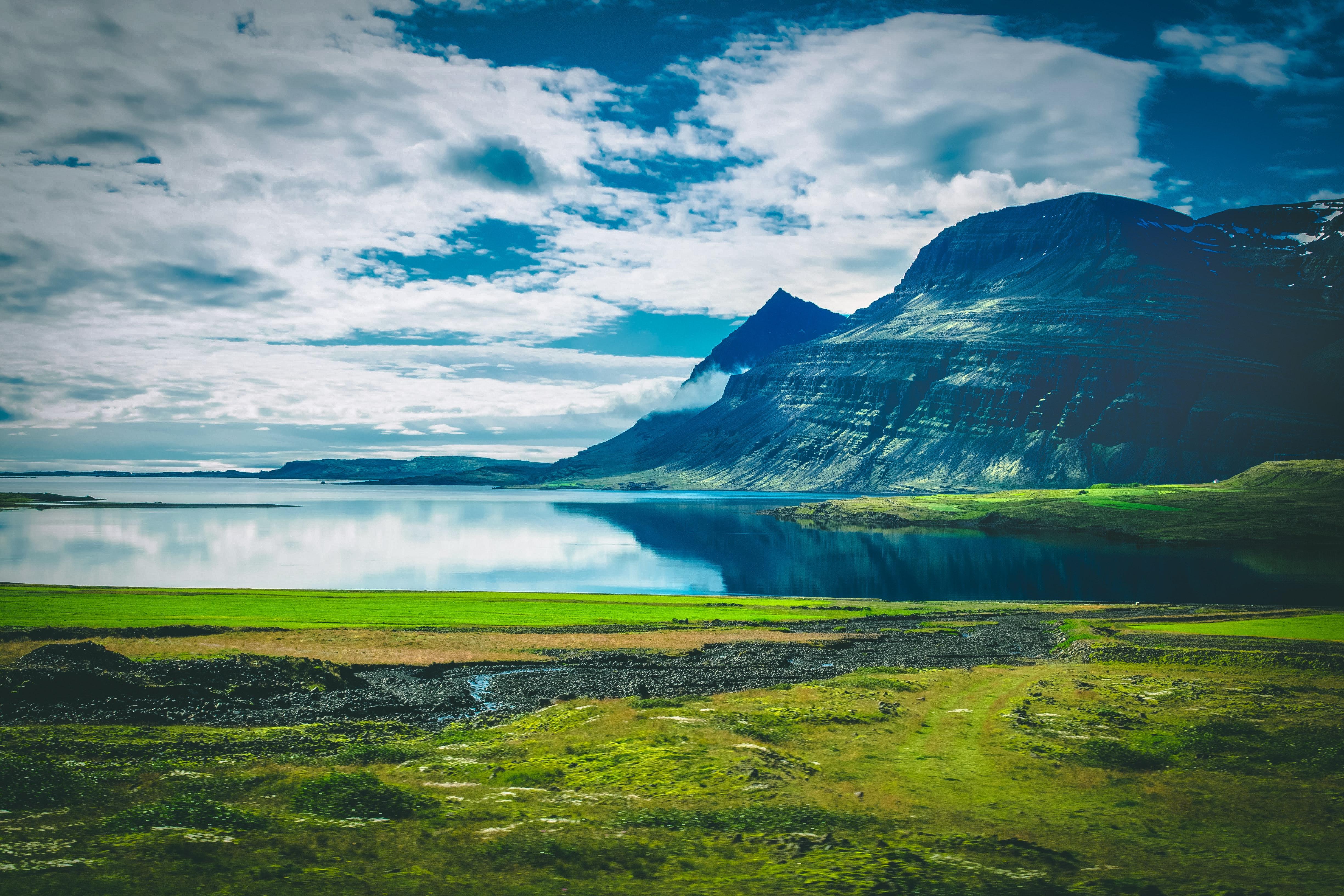 108608 скачать обои Природа, Озеро, Облака, Остров, Горы, Пейзаж - заставки и картинки бесплатно