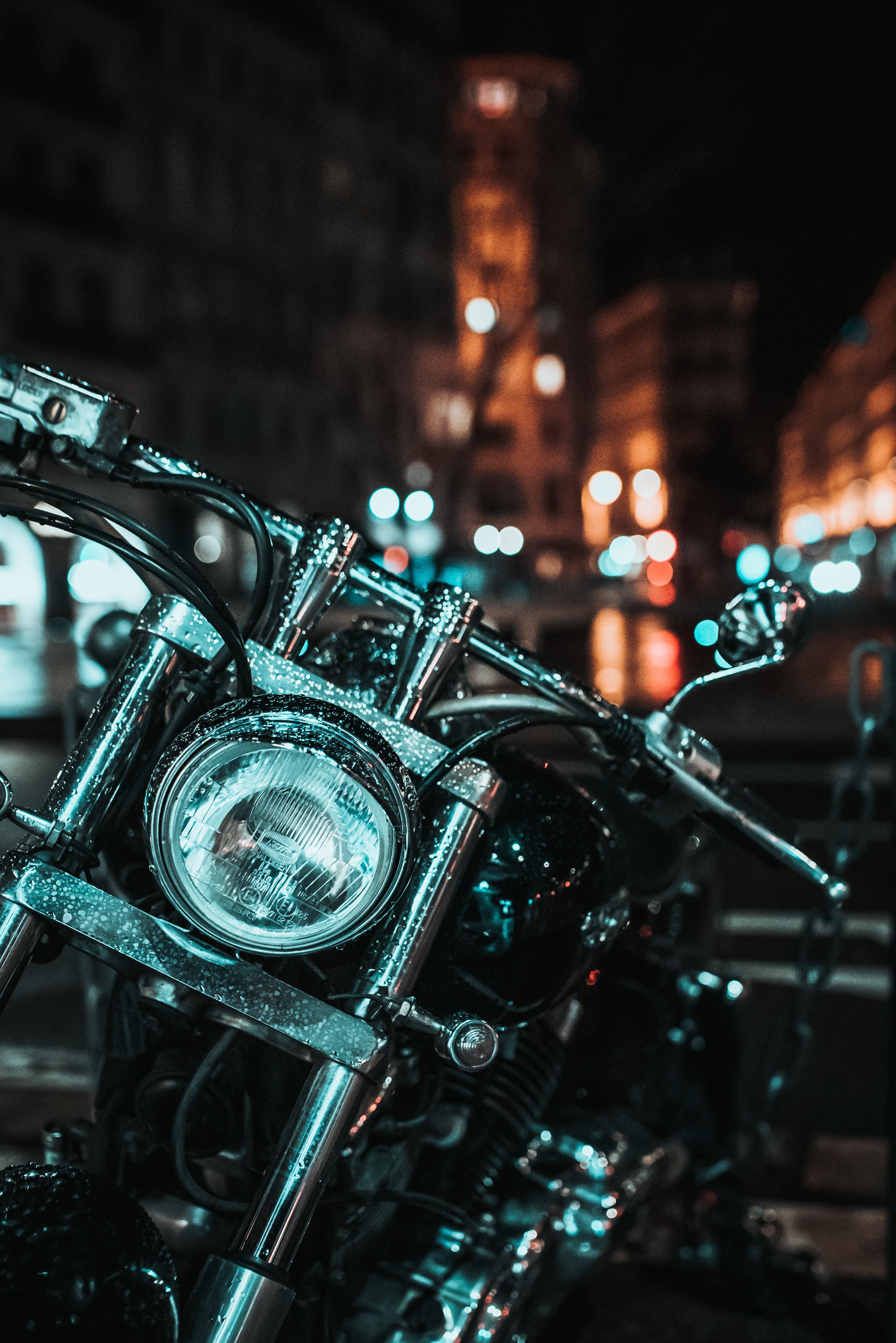 56045 скачать обои Мотоциклы, Мотоцикл, Руль, Фара, Капли - заставки и картинки бесплатно