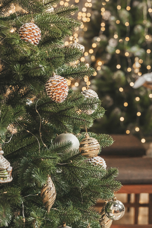 124929 скачать обои Праздники, Украшения, Рождество, Новый Год, Елка, Гирлянды - заставки и картинки бесплатно