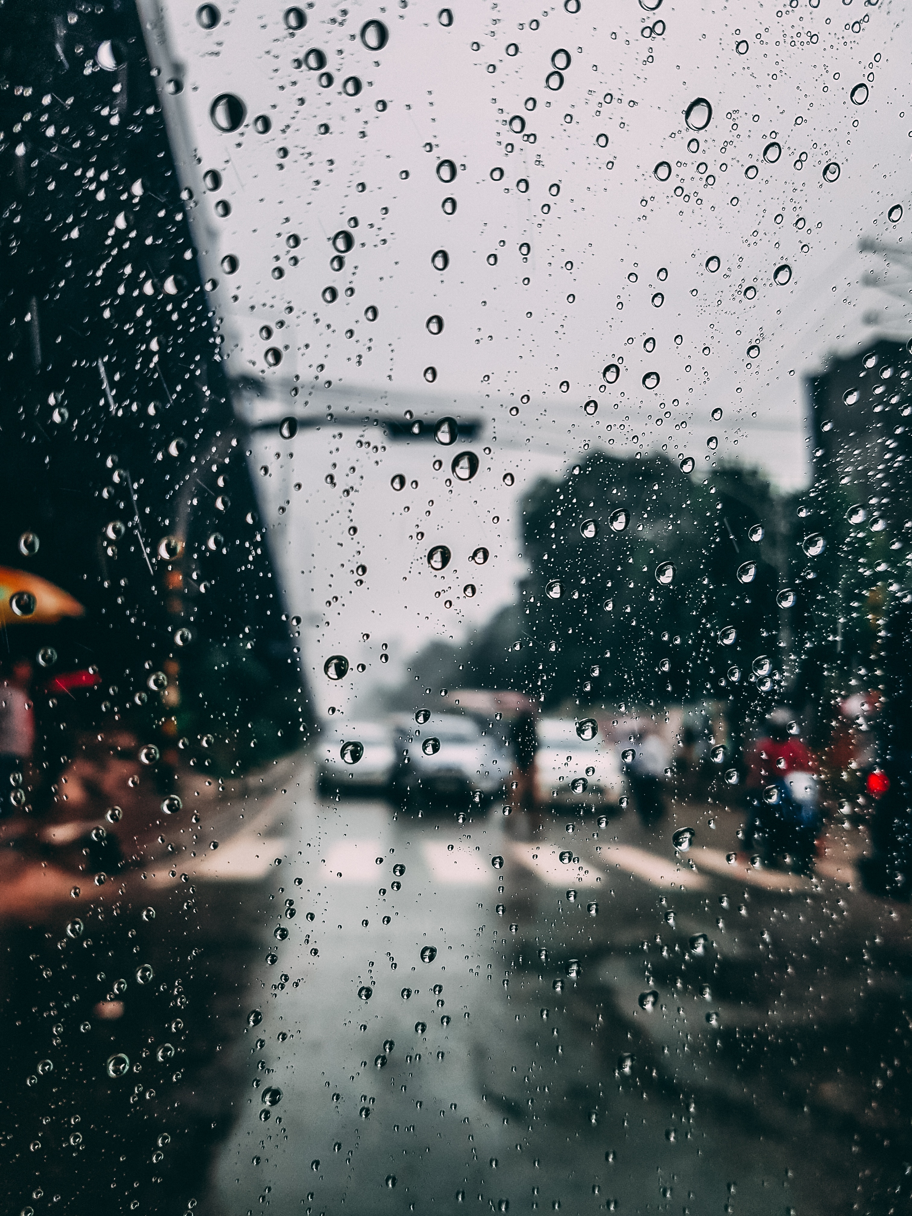 80366 free wallpaper 1080x2400 for phone, download images Rain, Drops, City, Macro, Blur, Smooth, Moisture, Glass 1080x2400 for mobile