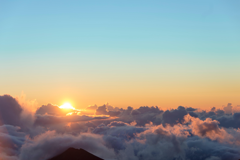 117681 скачать обои Небо, Природа, Солнце, Облака, Рассвет, Высота - заставки и картинки бесплатно