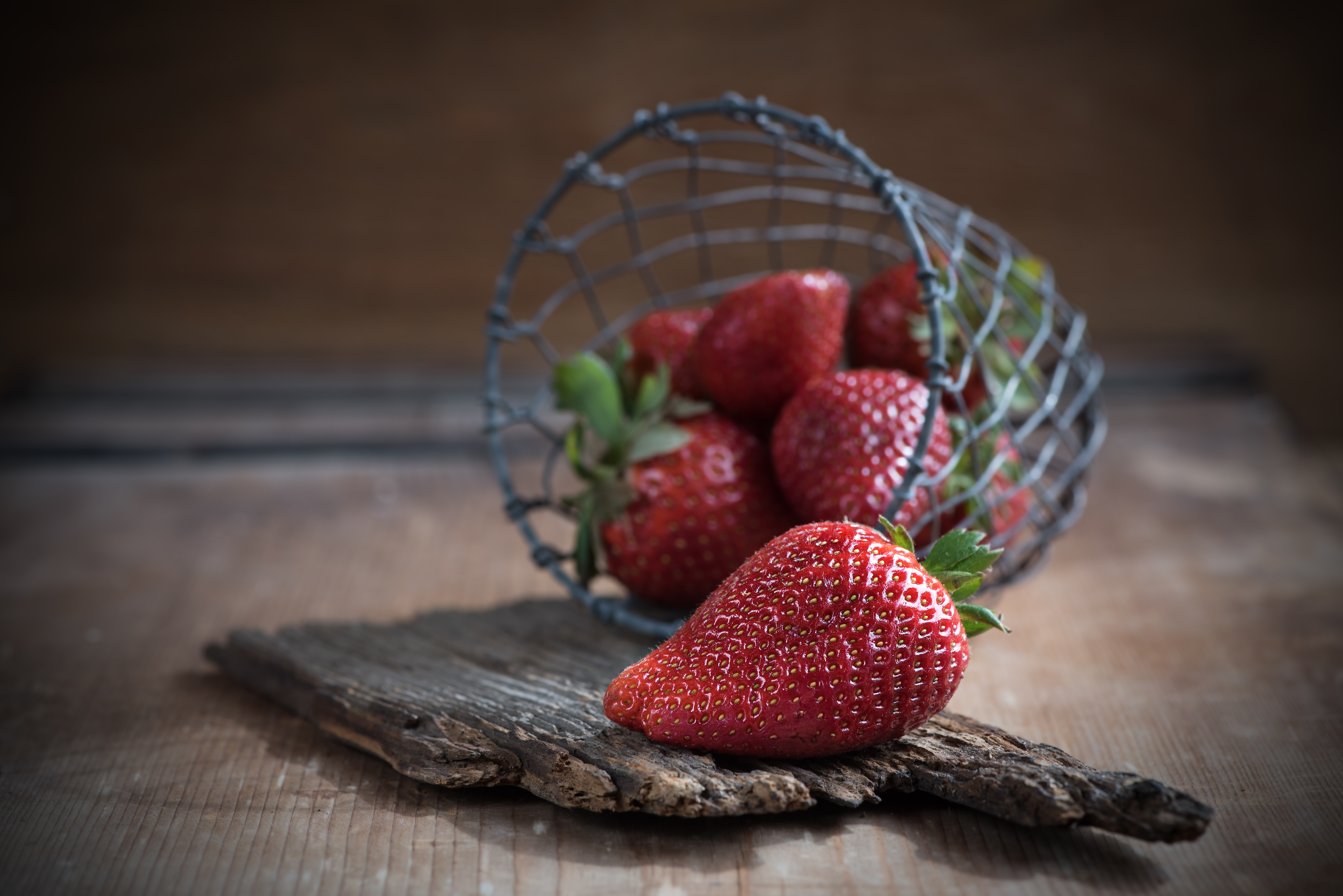 158138 download wallpaper Food, Strawberry, Basket, Ripe, Berries screensavers and pictures for free