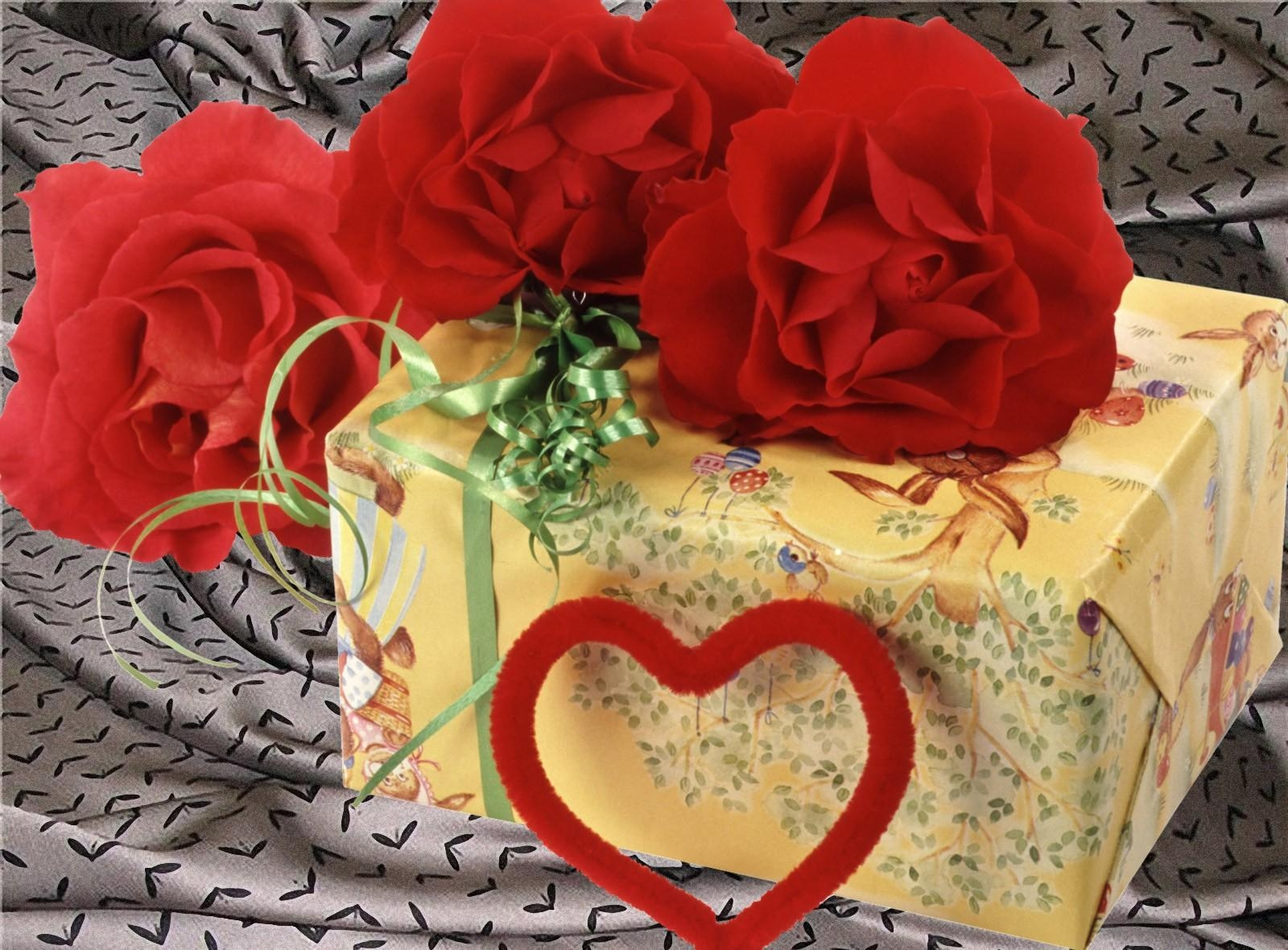 132133 Заставки и Обои Гвоздики на телефон. Скачать Праздники, Гвоздики, Подарок, Сердце, День Святого Валентина картинки бесплатно