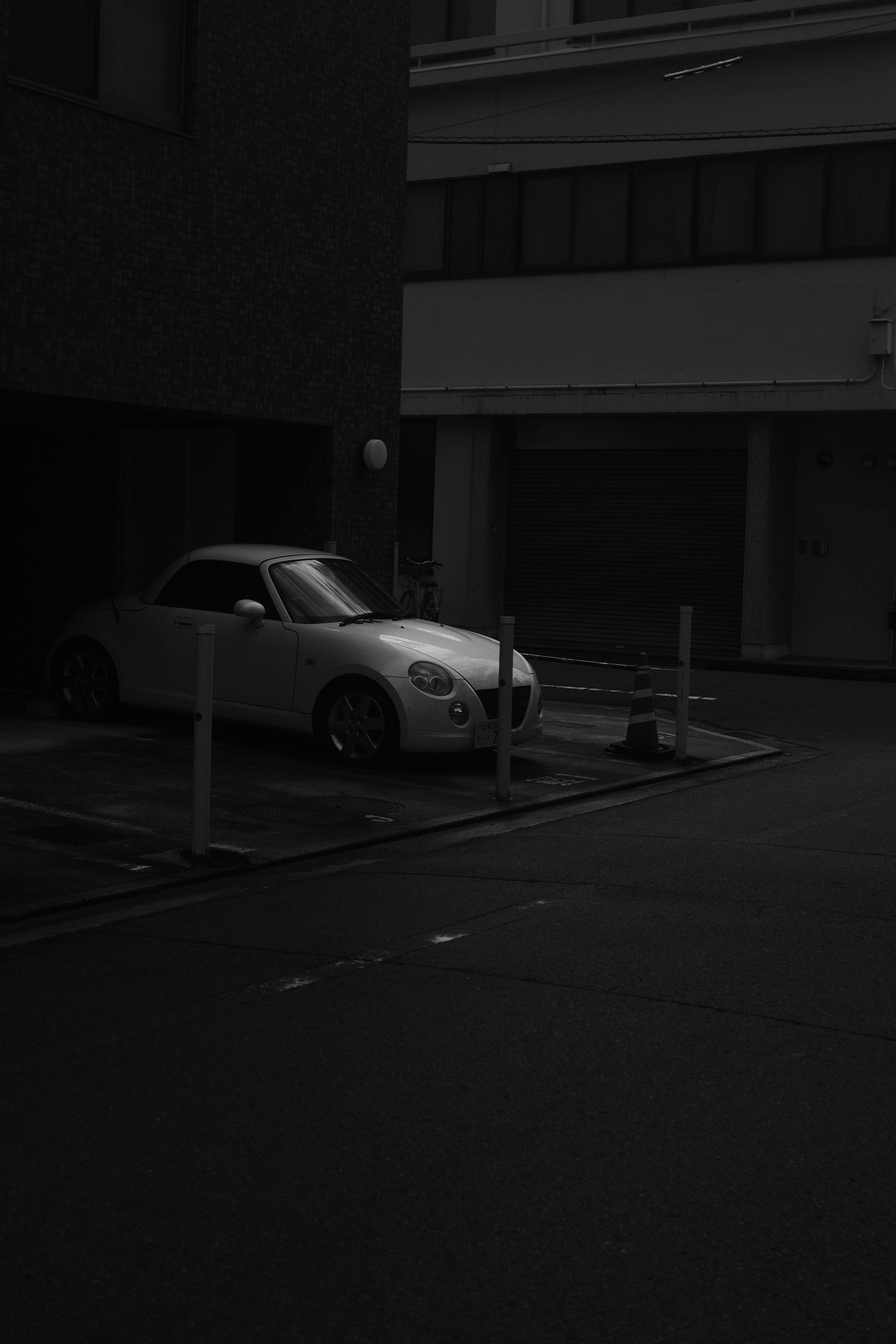 73291 baixar papel de parede Carros, Carro, Estacionamento, Preto E Branco, Preto-E-Branco, Bw, Chb - protetores de tela e imagens gratuitamente