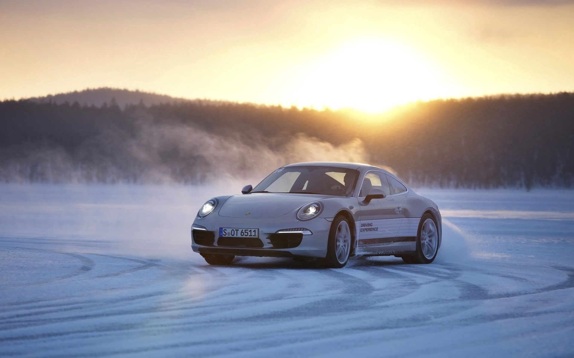 117762 download wallpaper Porsche, Winter, Snow, Cars, Drift, 911, Skid screensavers and pictures for free