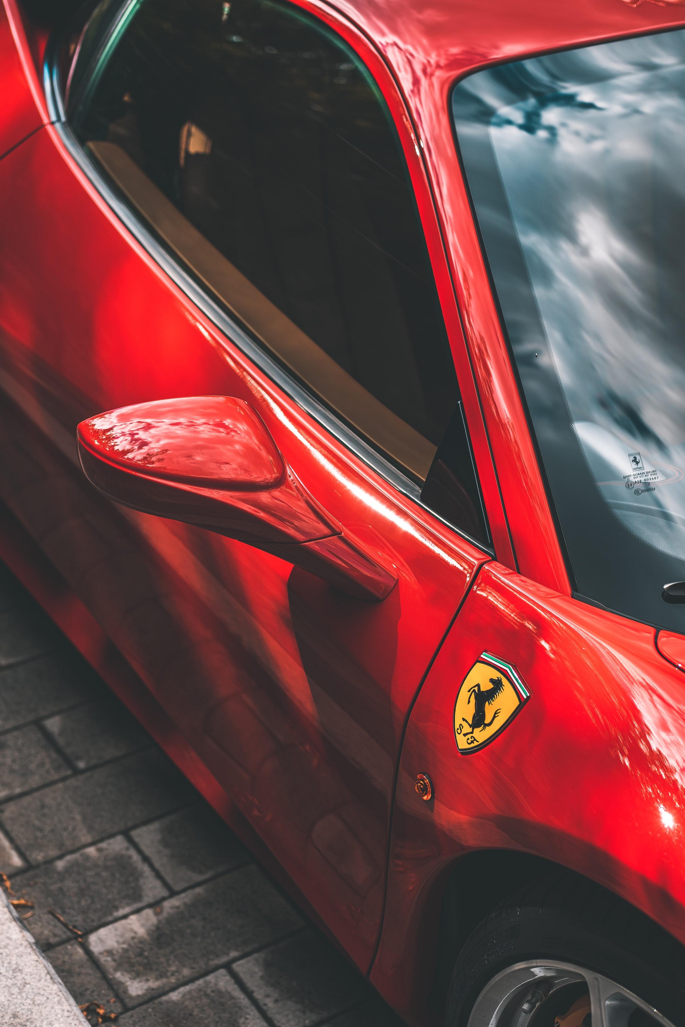 131138 скачать обои Тачки (Cars), Феррари (Ferrari), Автомобиль, Спорткар, Красный, Зеркало - заставки и картинки бесплатно