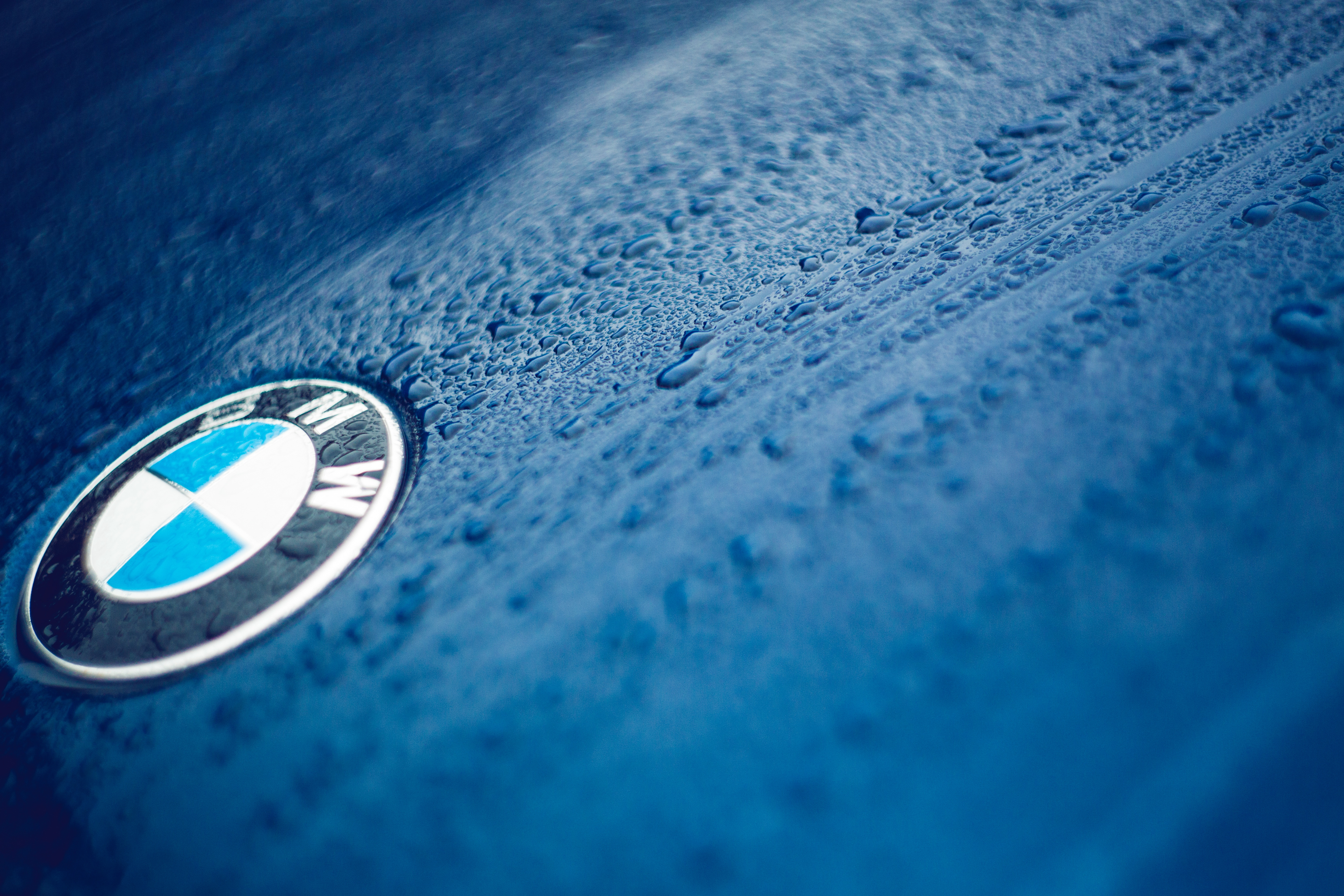 72543 download wallpaper Cars, Bmw, Logo, Logotype, Drops screensavers and pictures for free