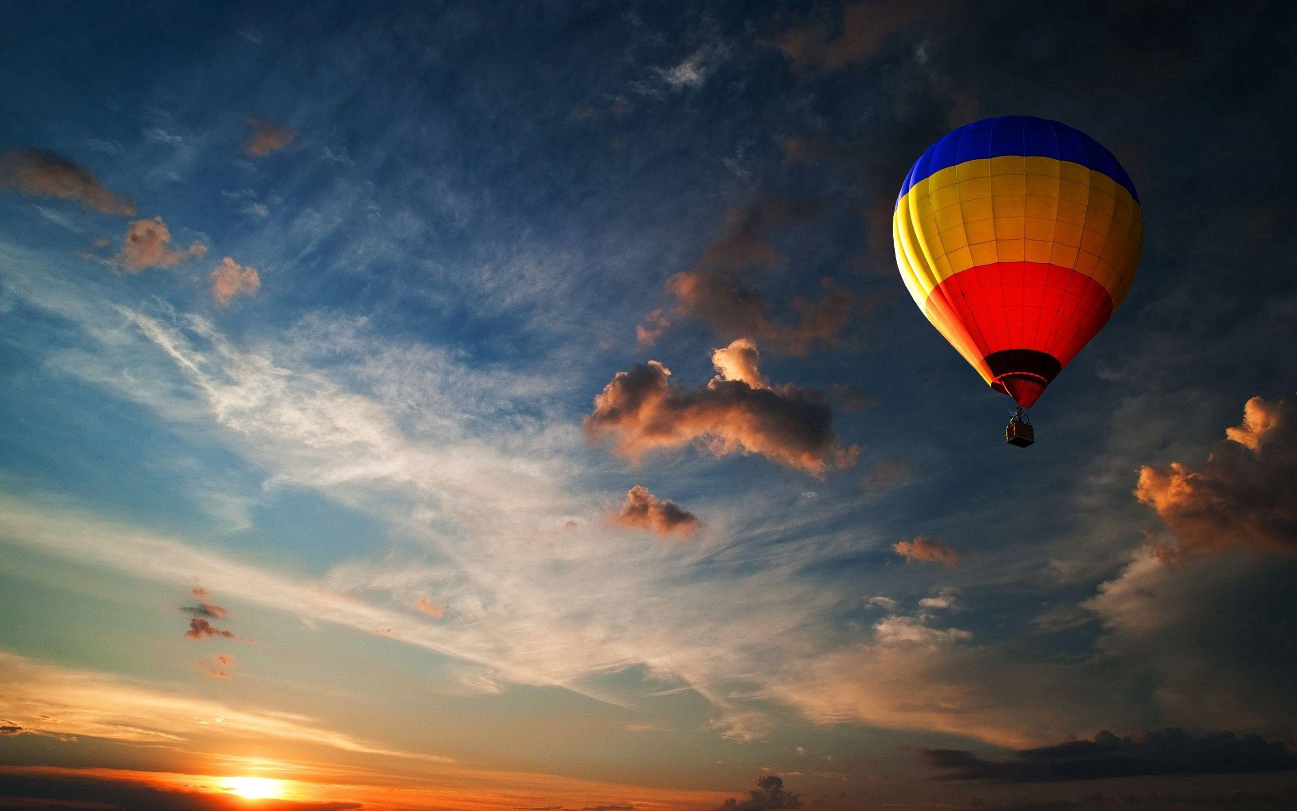 61259 Hintergrundbild herunterladen Sonstige, Sky, Clouds, Verschiedenes, Flug, Luftballon, Ballon - Bildschirmschoner und Bilder kostenlos