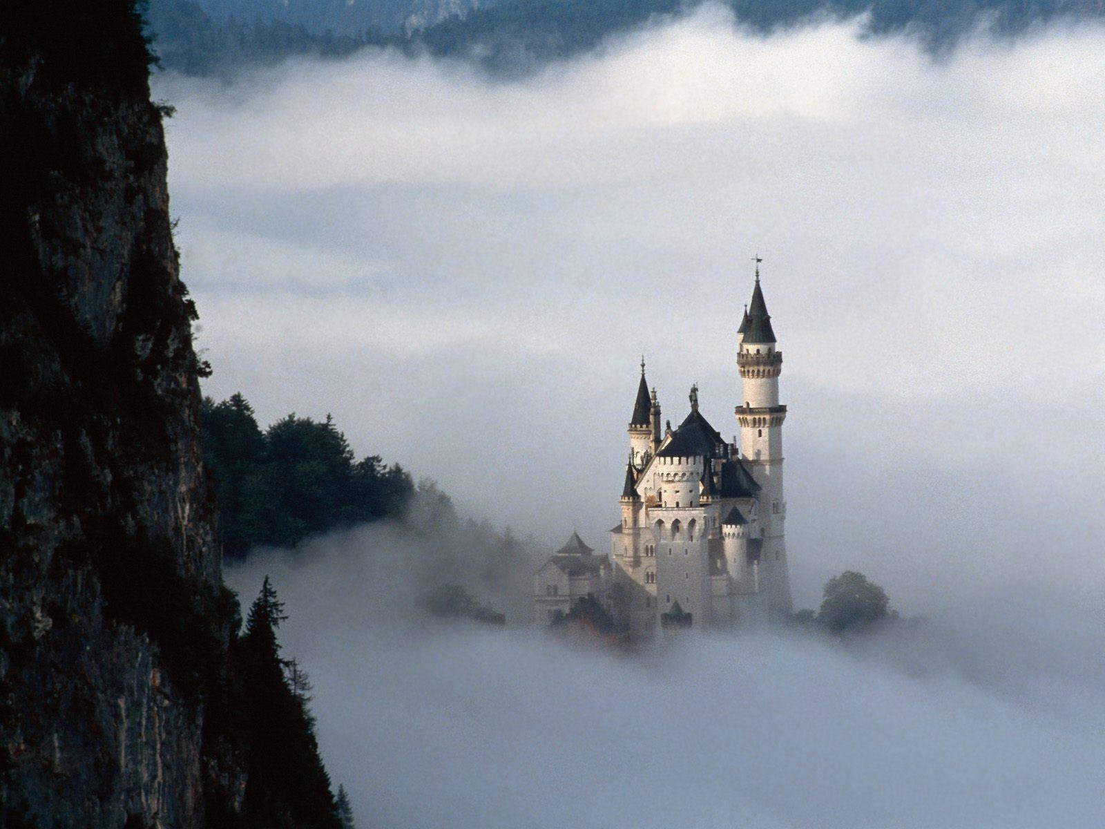 17917 скачать обои Пейзаж, Горы, Облака, Замки - заставки и картинки бесплатно